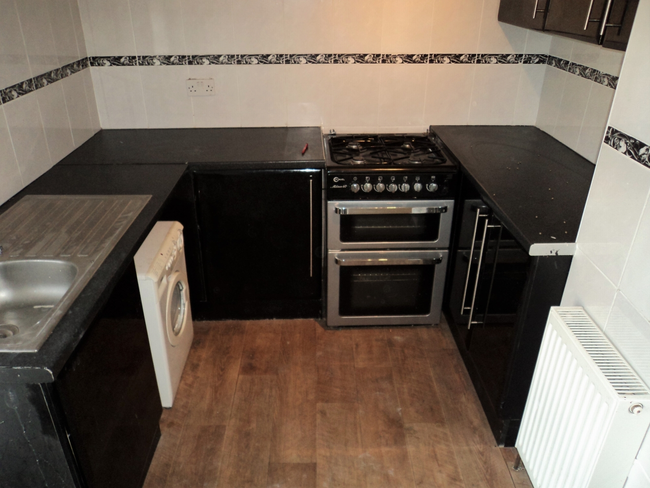 2 Bedroom Mid Terraced House For Sale - Image 9