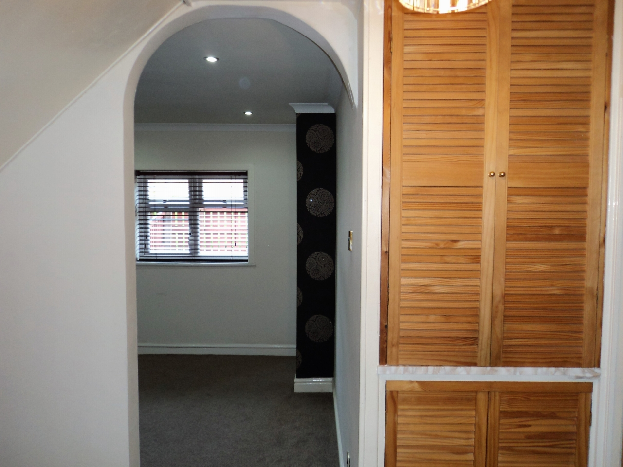 3 Bedroom Mid Terraced House For Sale - Image 8