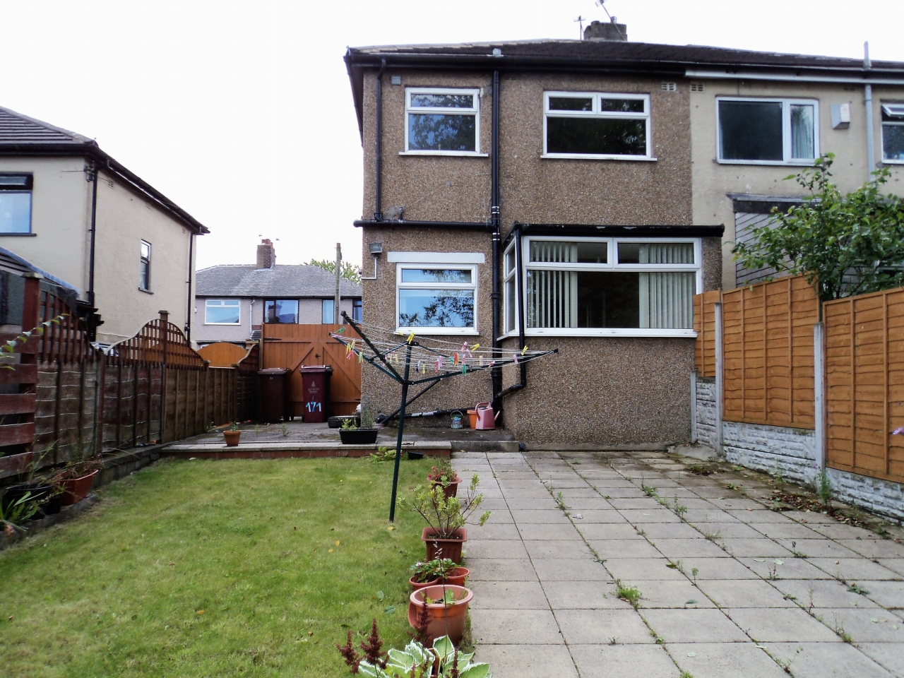 2 Bedroom Semi-detached House To Rent - Photograph 13