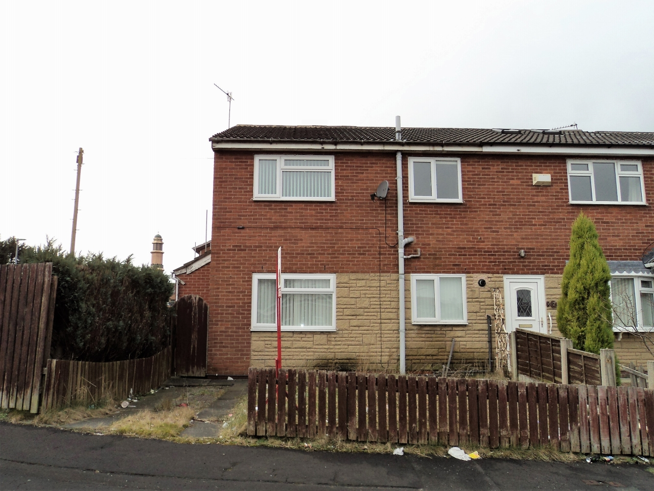 1 Bedroom End Terraced House To Rent - Photograph 1