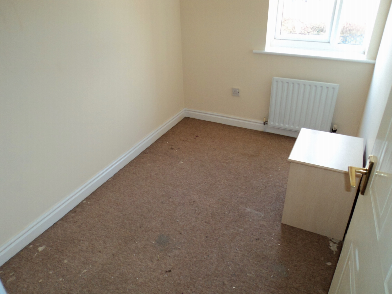 3 Bedroom House For Sale - Image 6