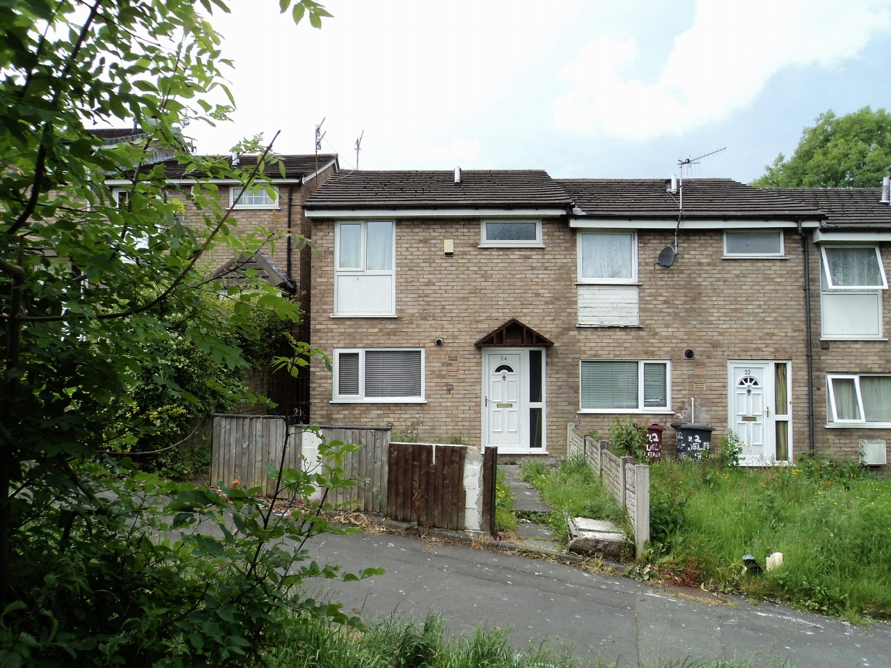 3 Bedroom End Terraced House For Sale - Image 1