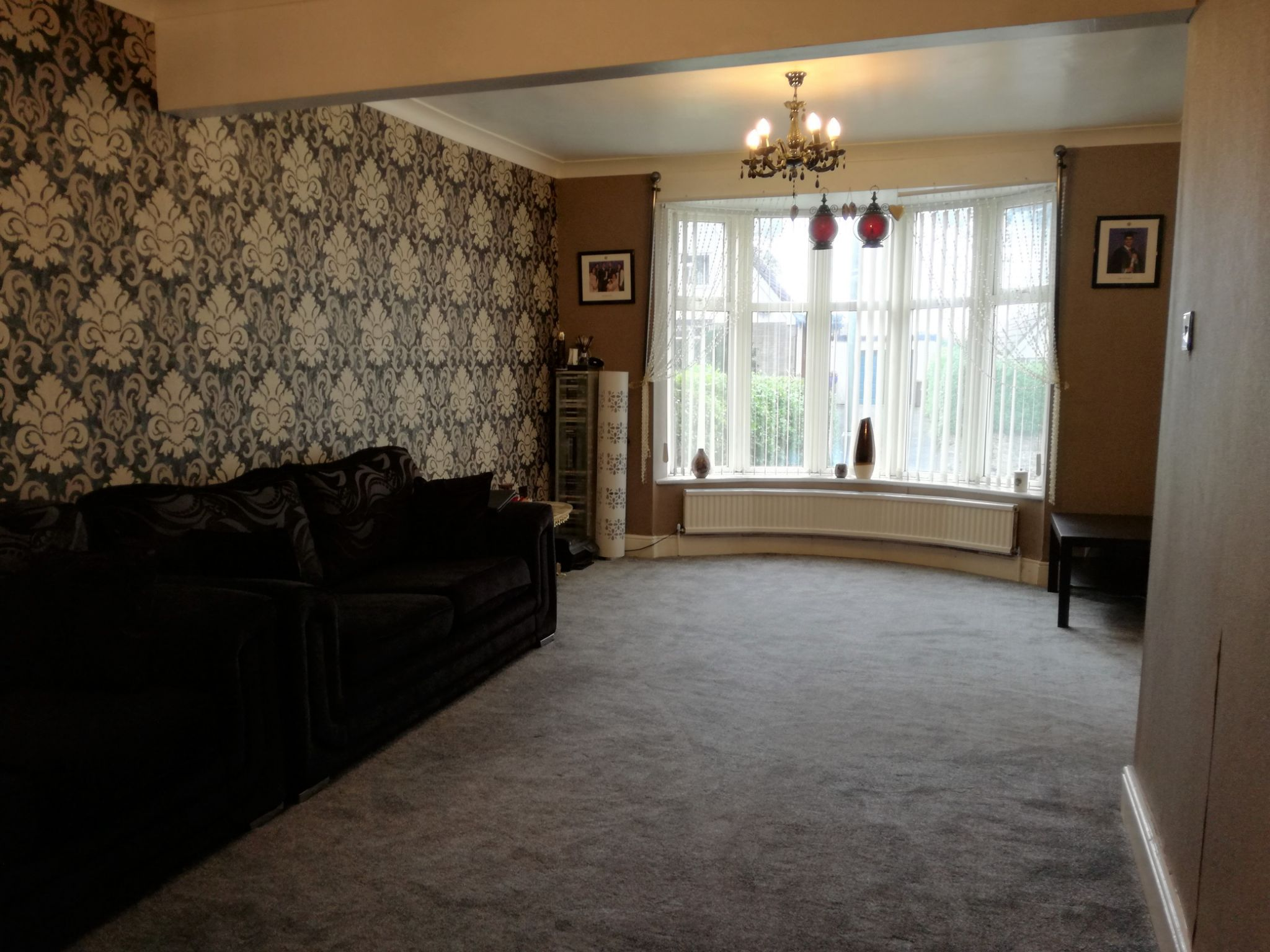 5 Bedroom Semi-detached House For Sale - Photograph 4