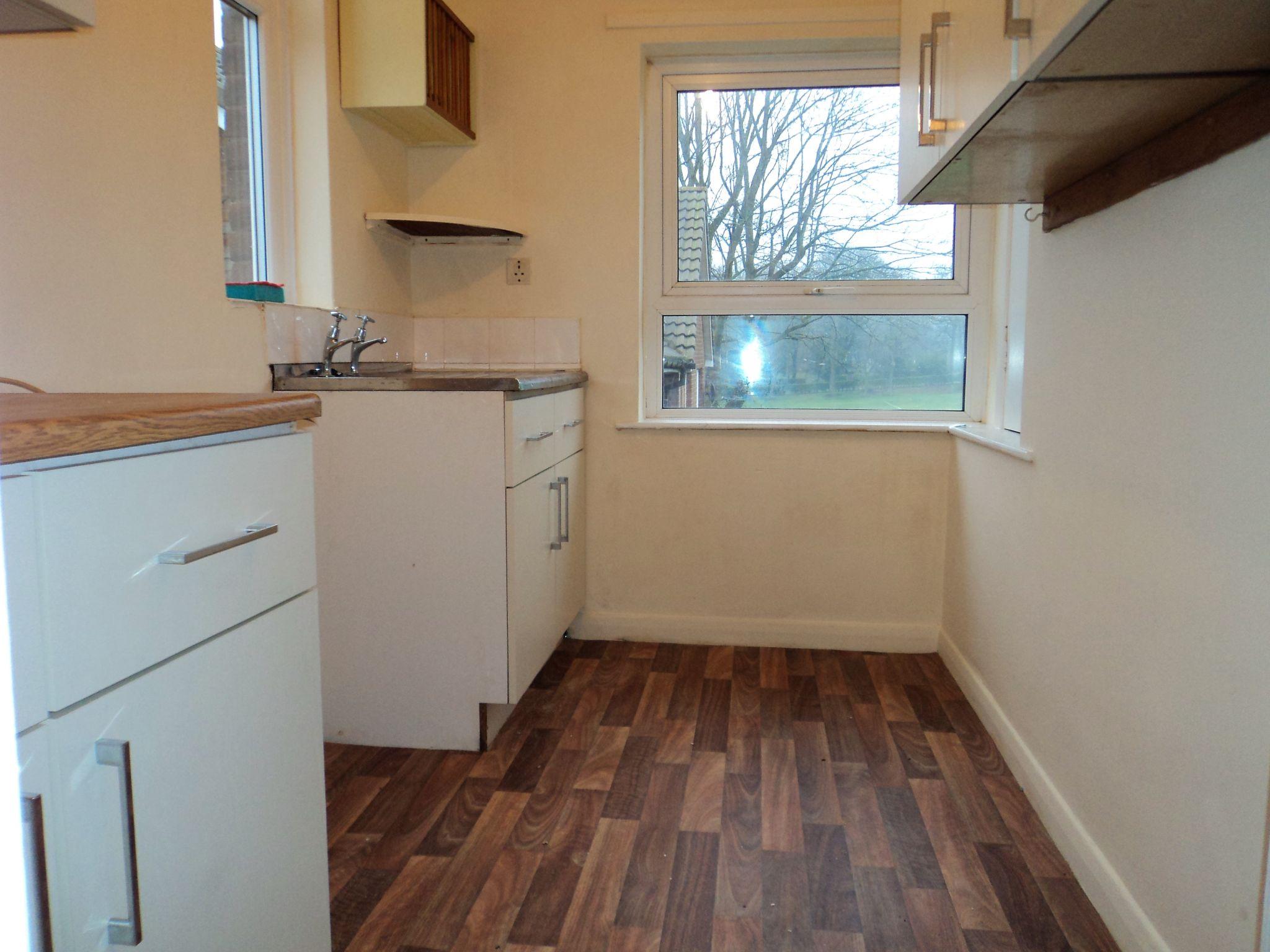 1 Bedroom Flat Flat/apartment To Rent - Photograph 1