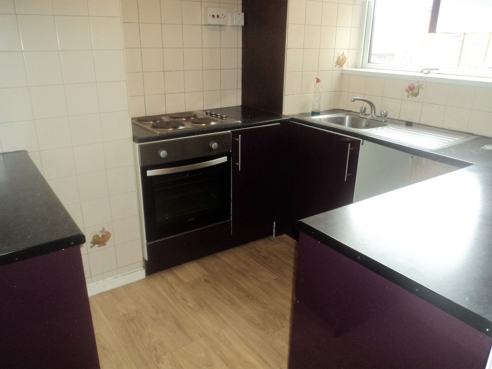 2 Bedroom Apartment Flat/apartment To Rent - Photograph 3