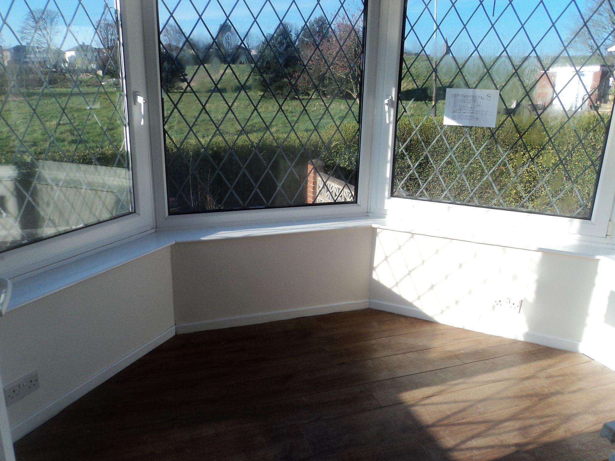 2 Bedroom Semi-detached Bungalow To Rent - Photograph 5