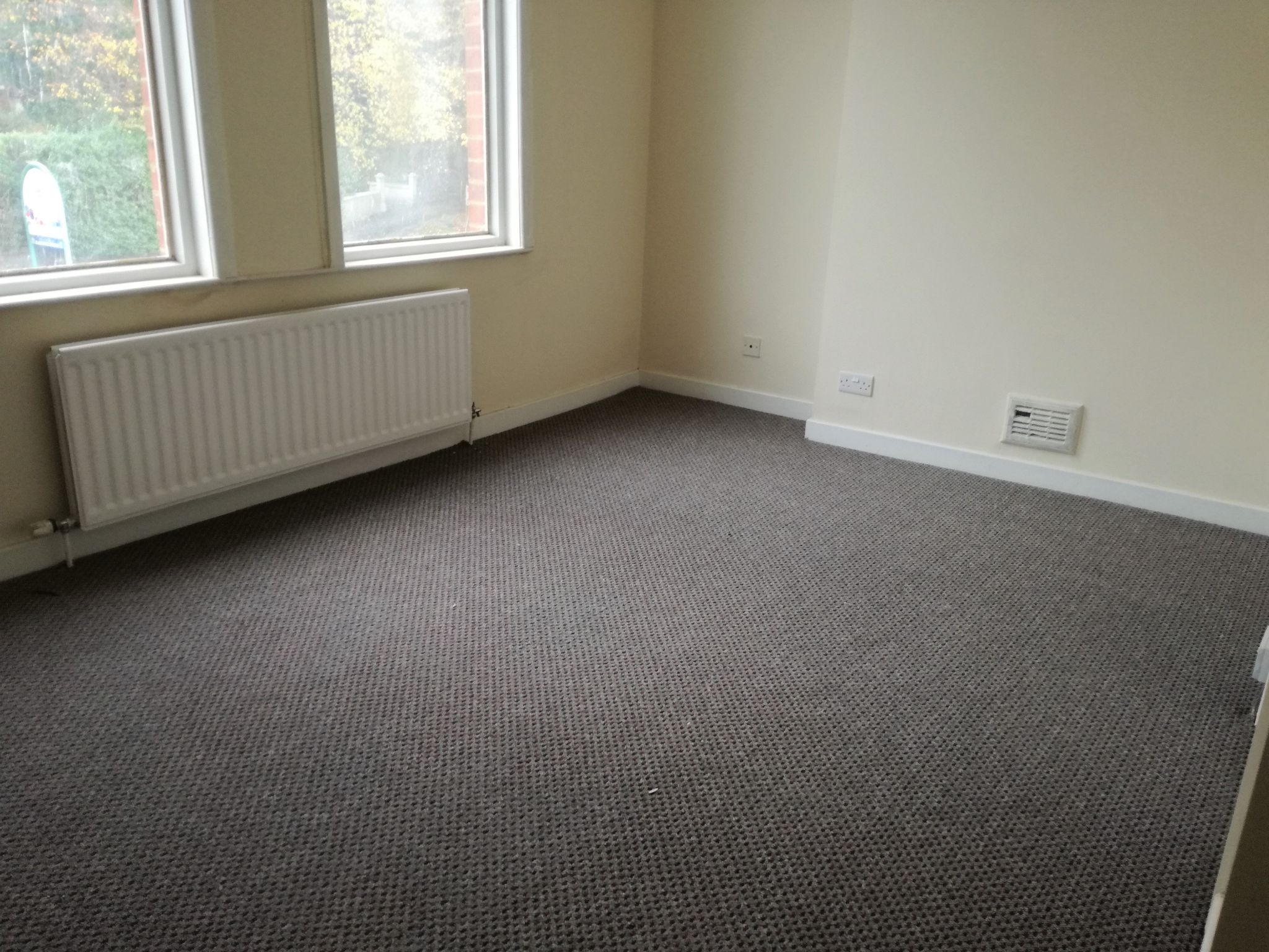 4 Bedroom Mid Terraced House To Rent - Photograph 6