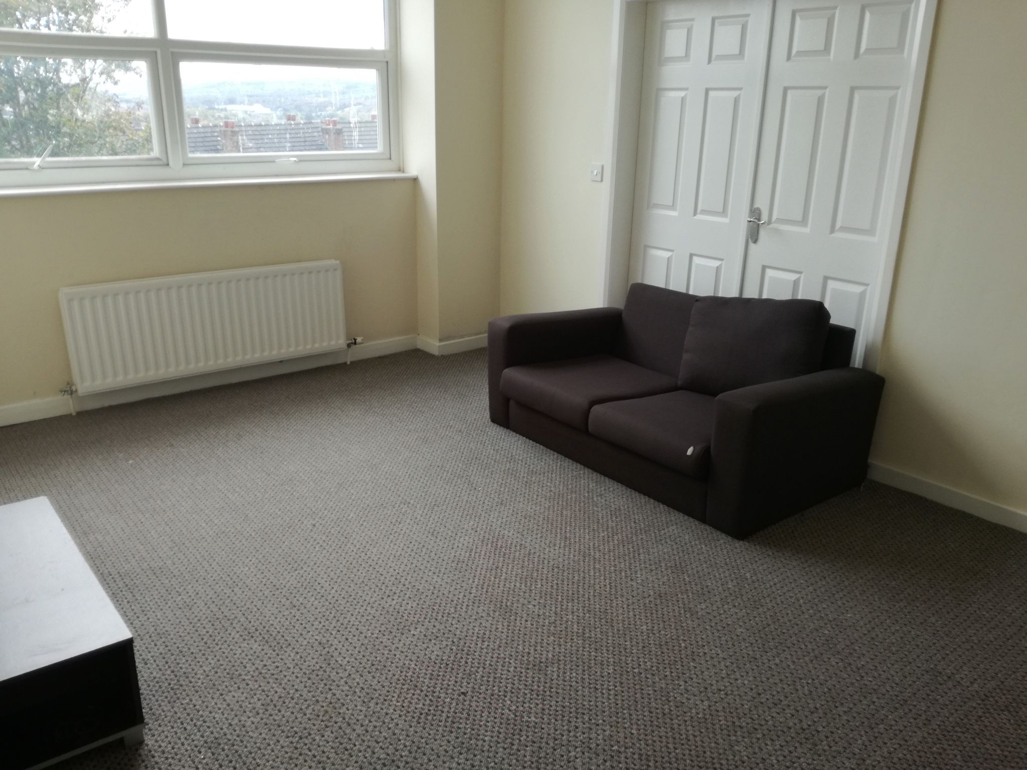 4 Bedroom Mid Terraced House To Rent - Photograph 3