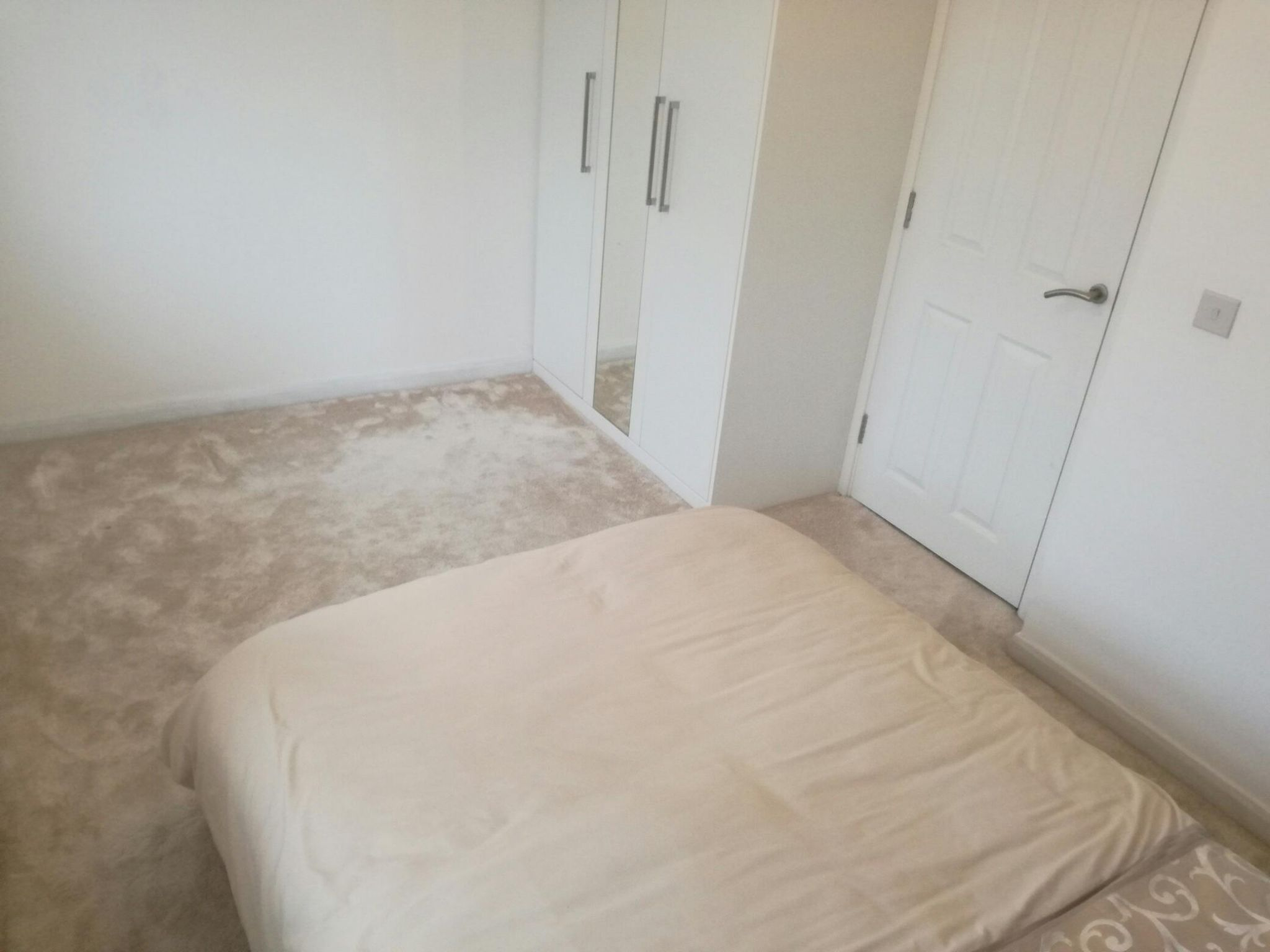 2 Bedroom Semi-detached House For Sale - Photograph 9