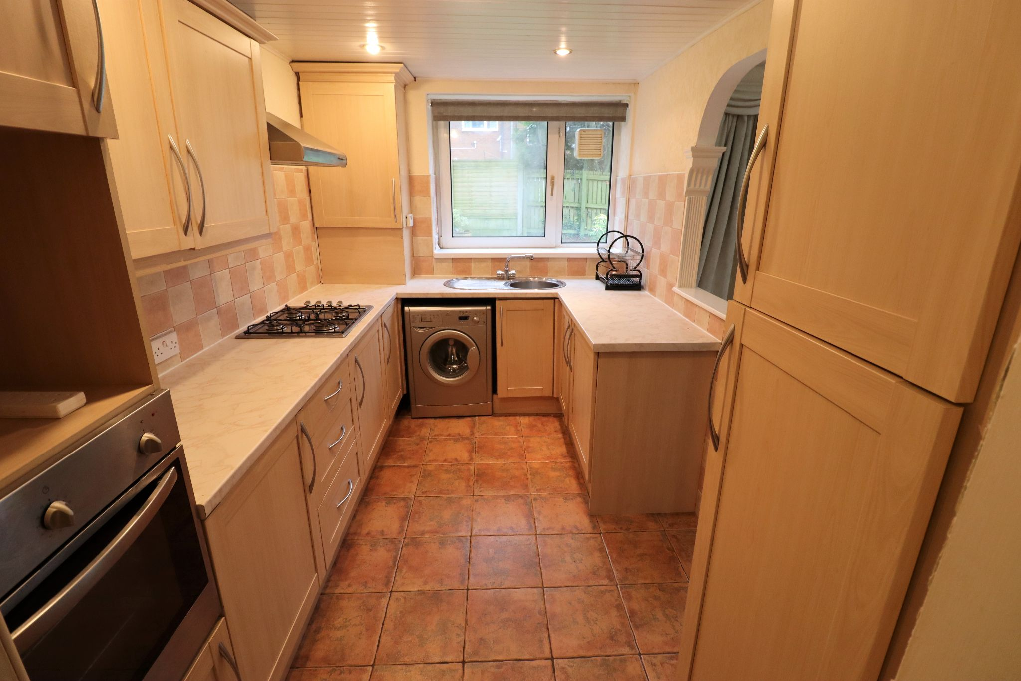 2 Bedroom Ground Floor Flat/apartment To Rent - Photograph 3