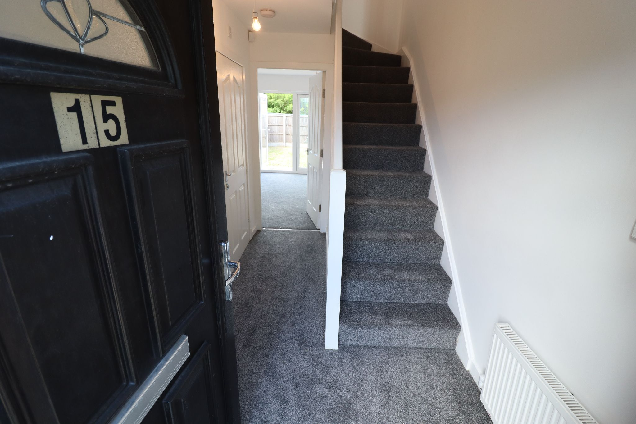 3 Bedroom Mews House To Rent - Photograph 2