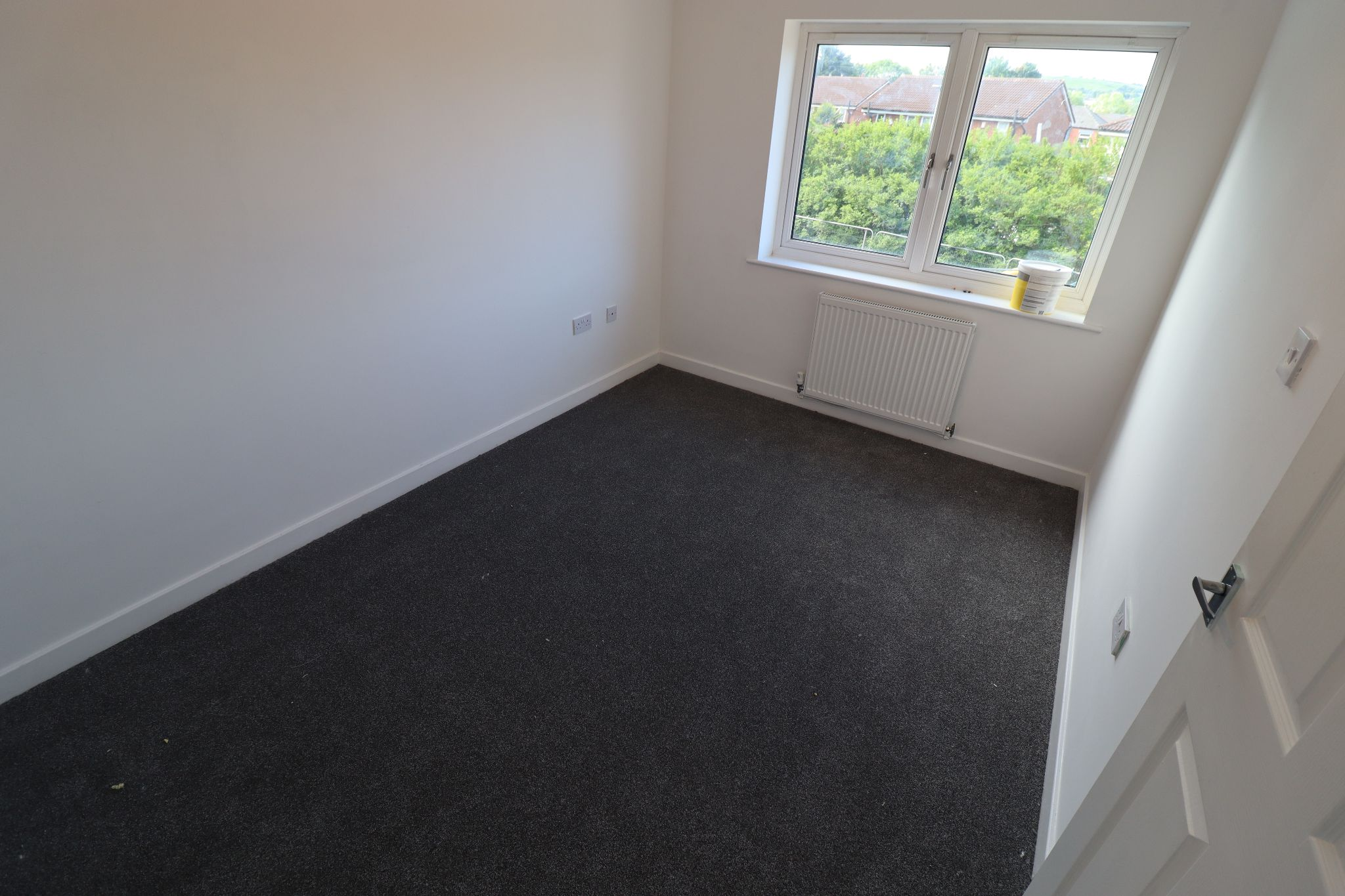 3 Bedroom Mews House To Rent - Photograph 16