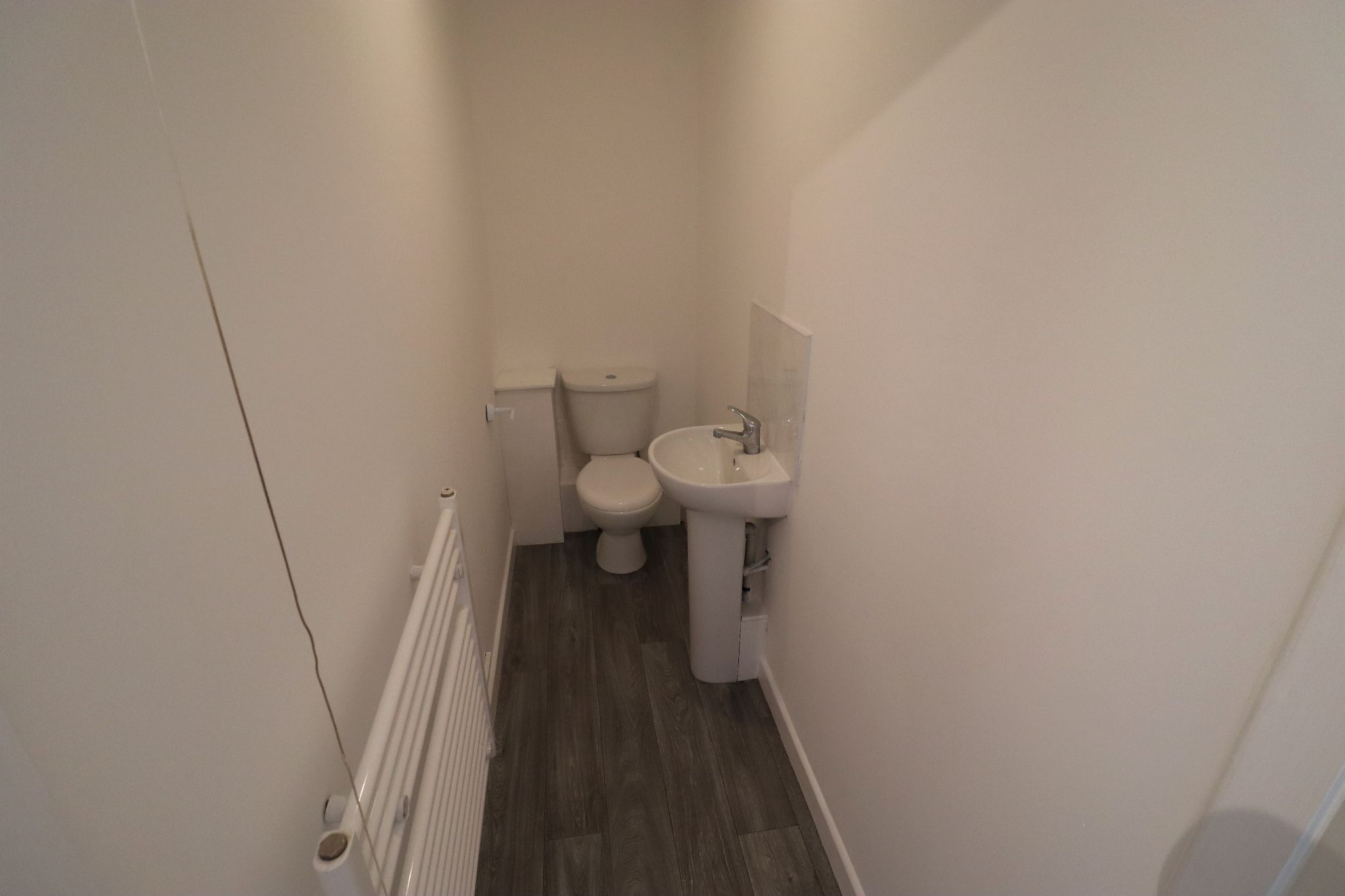 3 Bedroom Mews House To Rent - Photograph 5