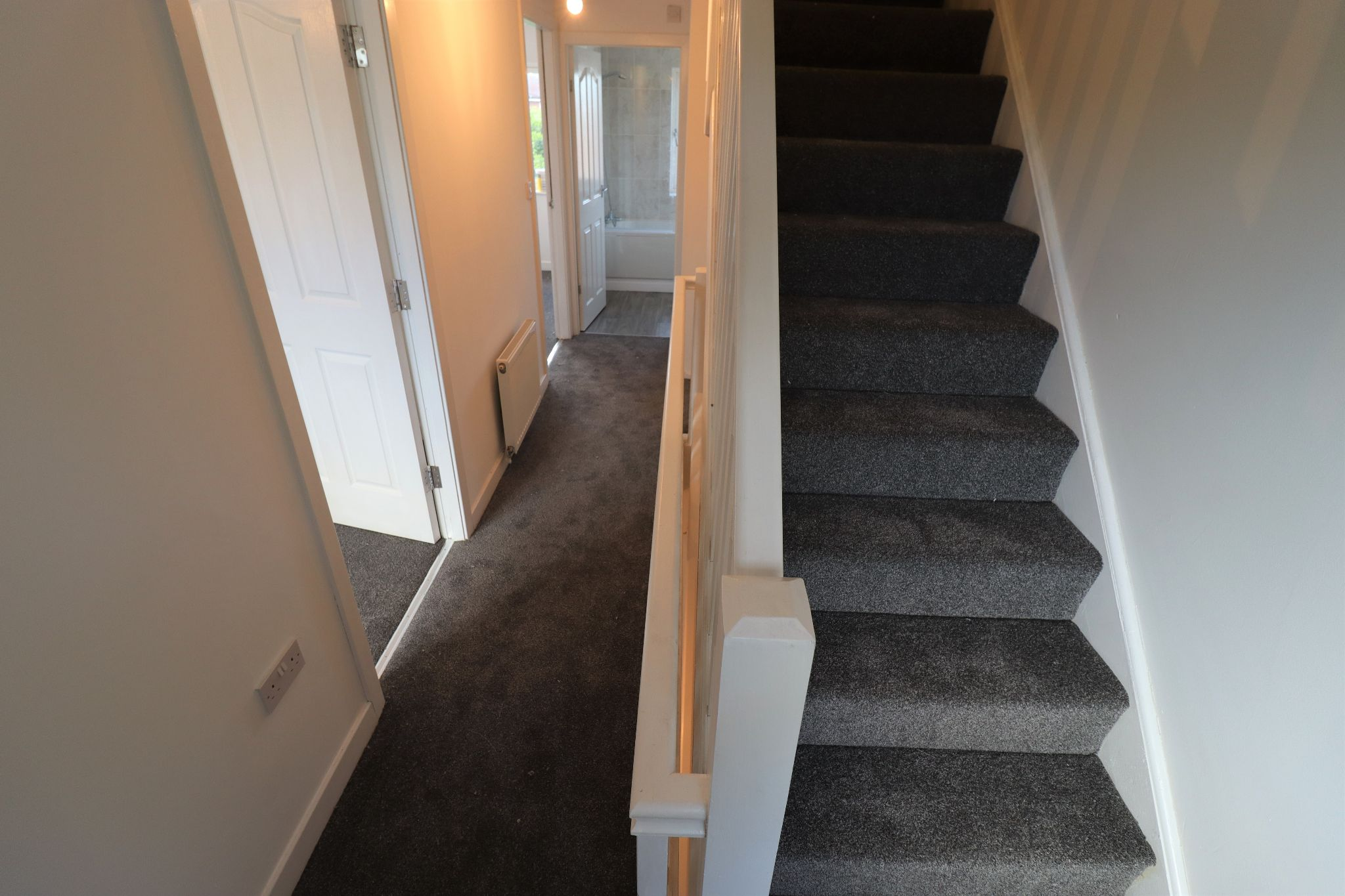3 Bedroom Mews House To Rent - Photograph 17
