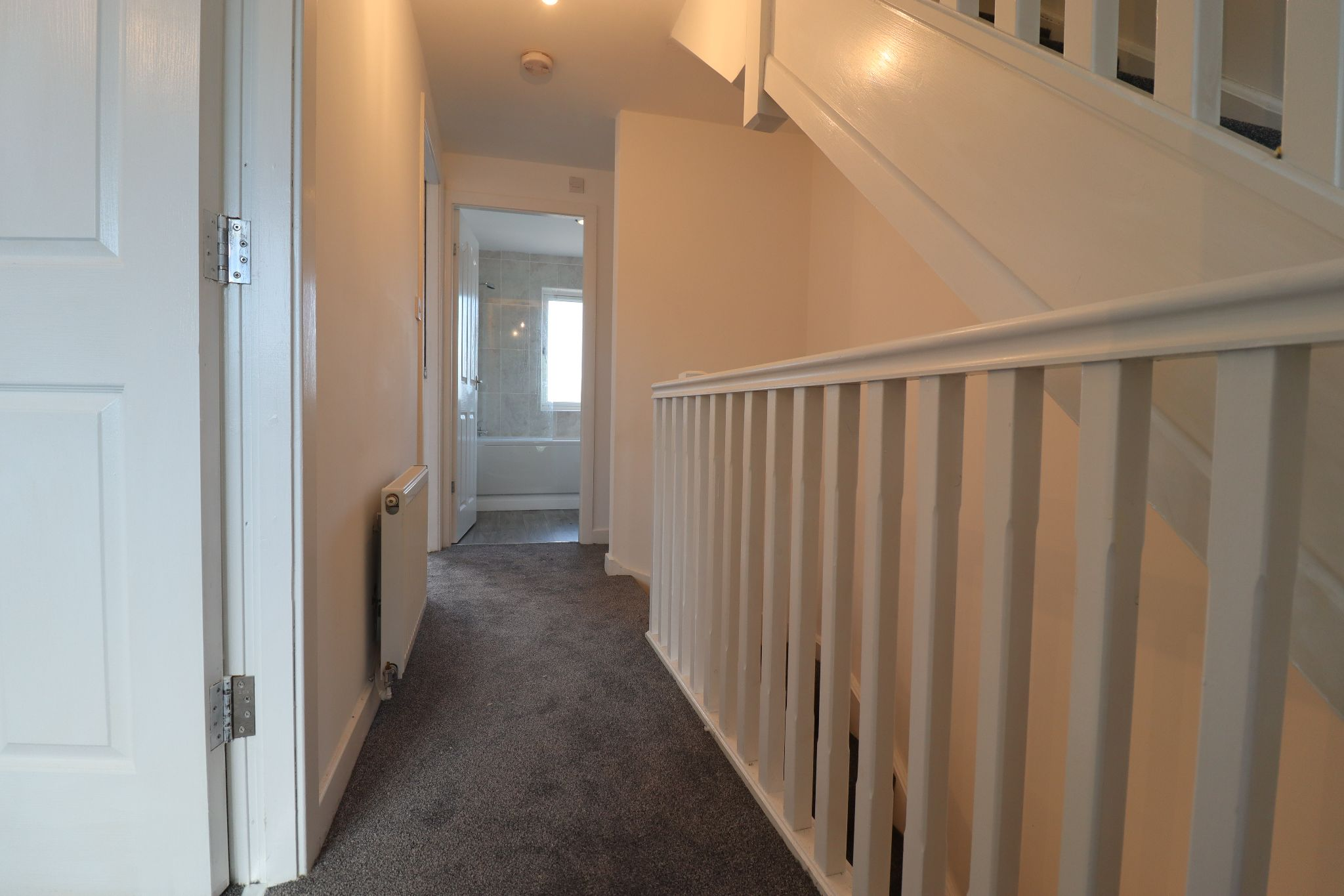 3 Bedroom Mews House To Rent - Photograph 12