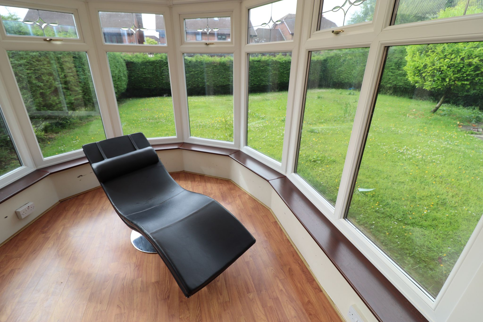 5 Bedroom Detached House To Rent - Photograph 14