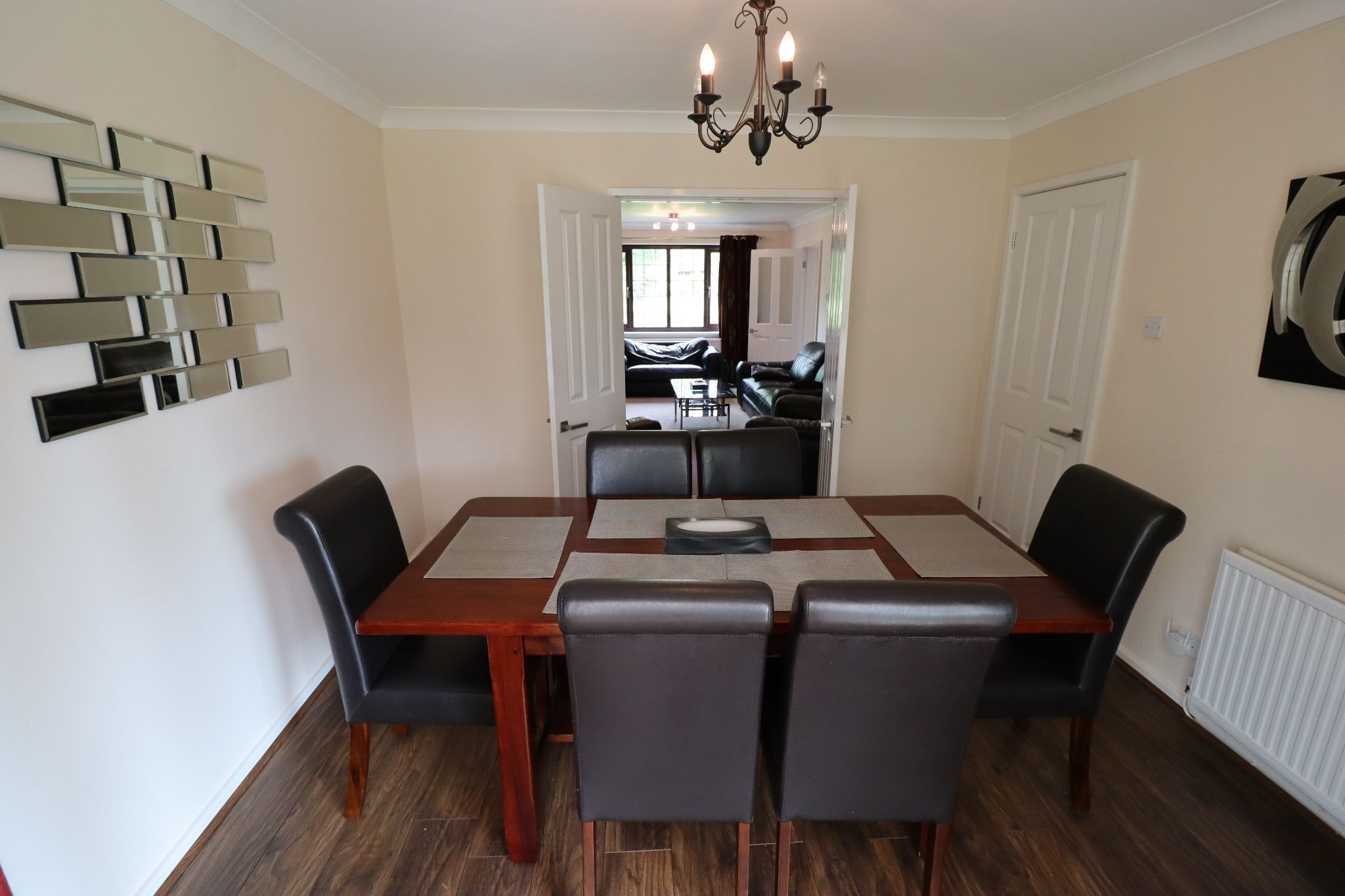 5 Bedroom Detached House To Rent - Photograph 12