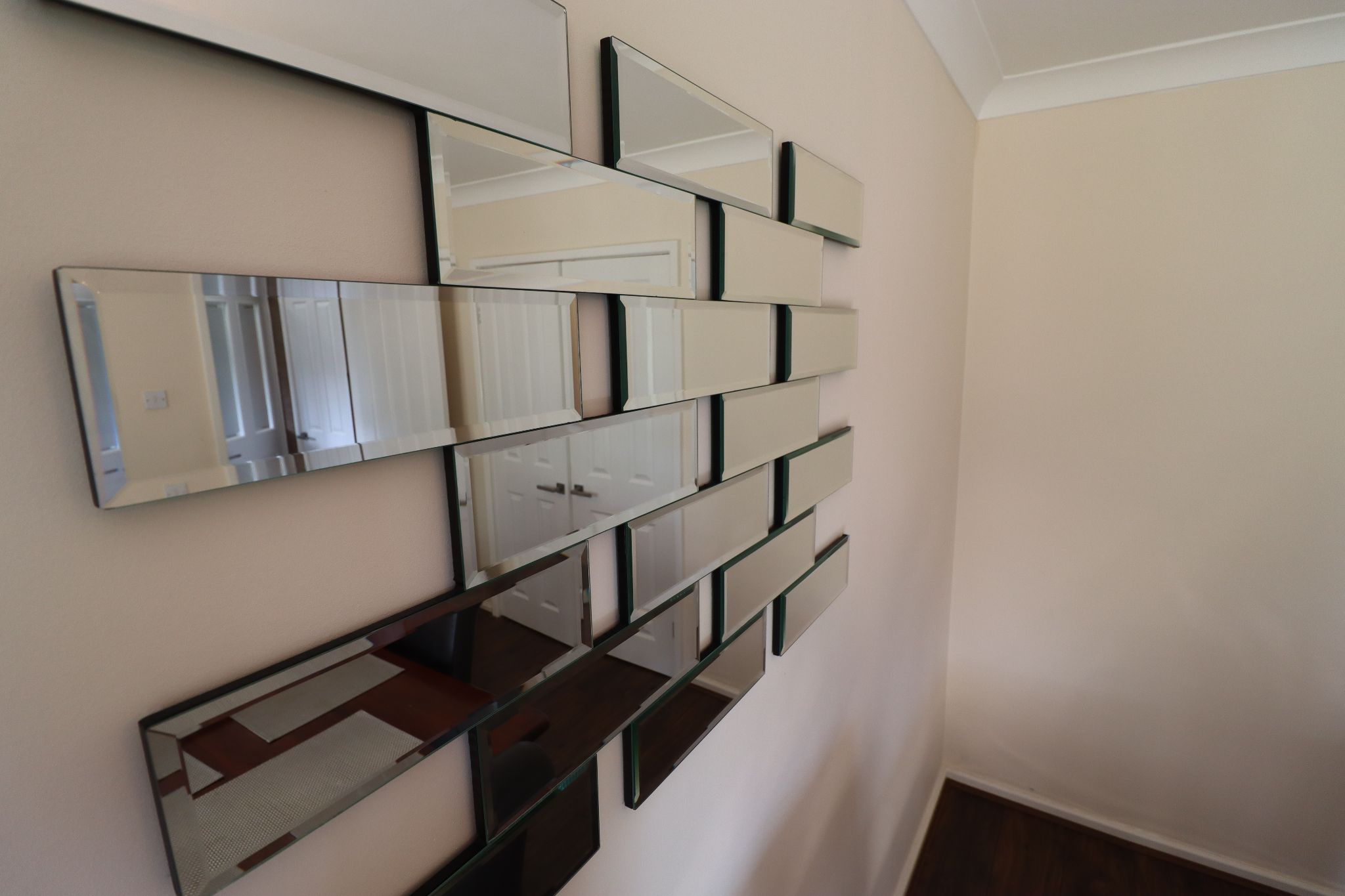 5 Bedroom Detached House To Rent - Photograph 11