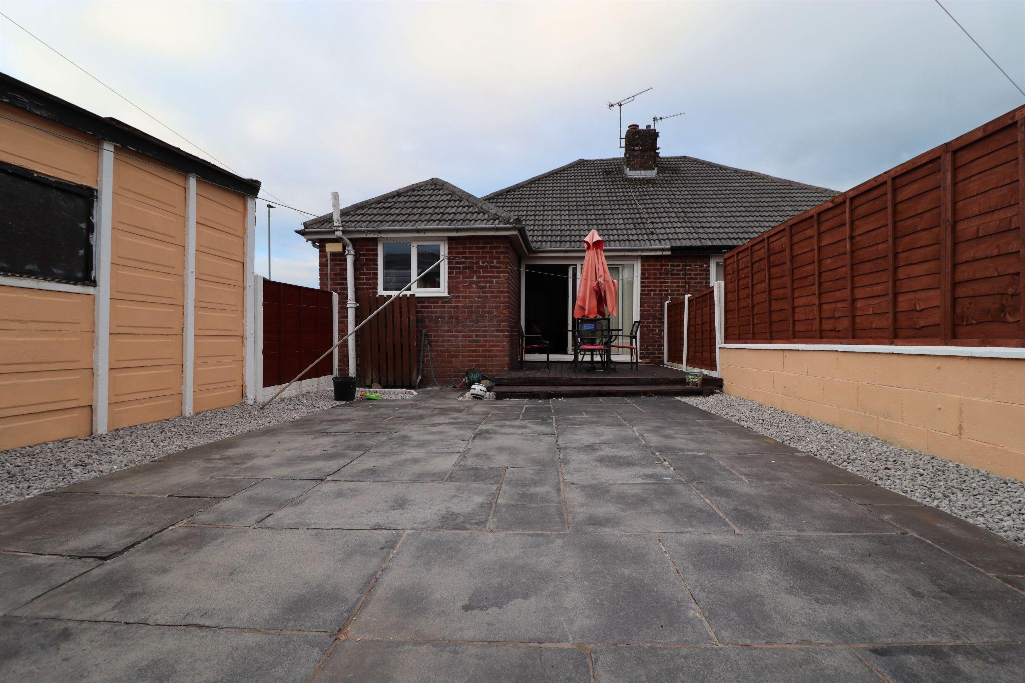 2 Bedroom Semi-detached Bungalow For Sale - Photograph 20
