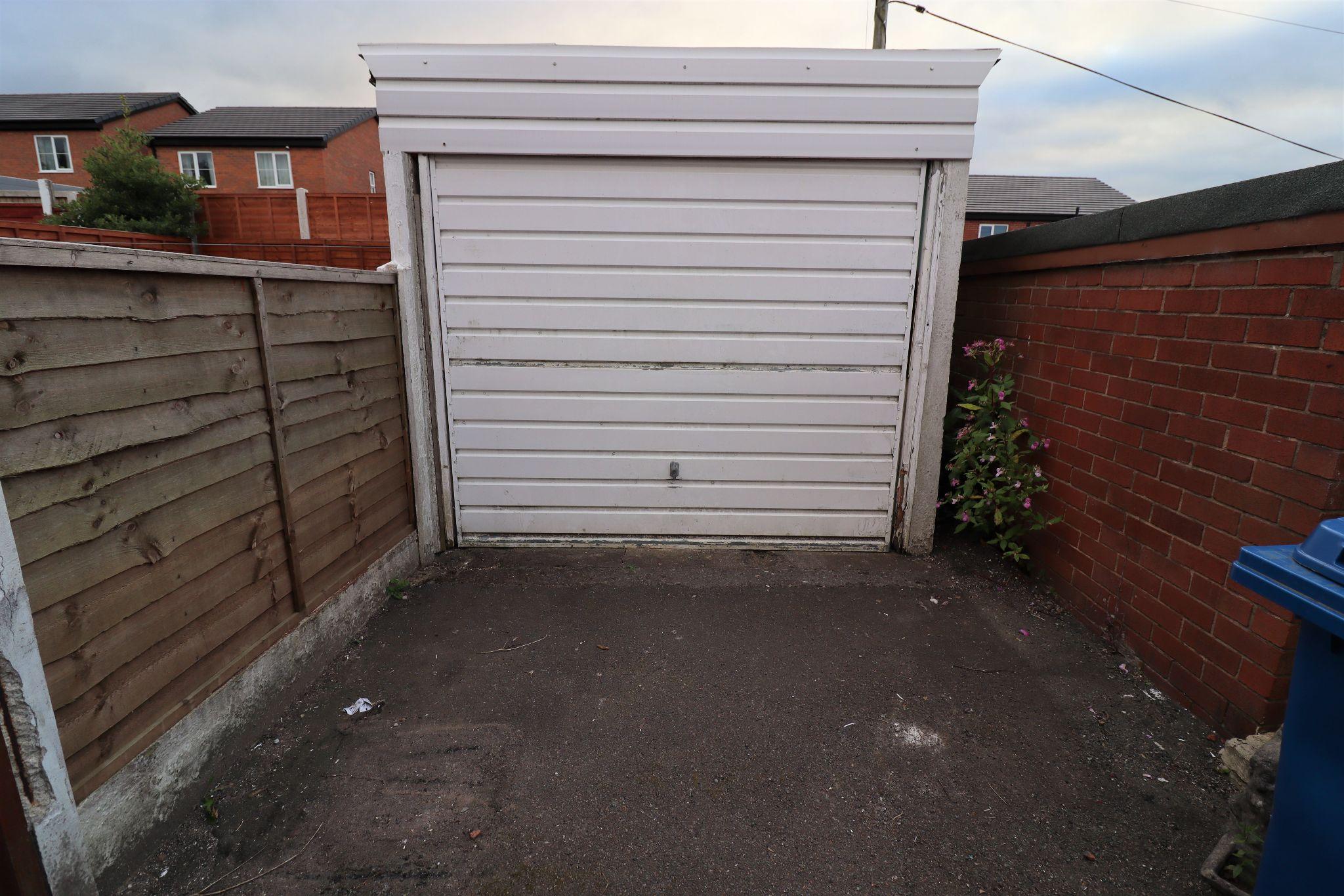 2 Bedroom Semi-detached Bungalow For Sale - Photograph 19