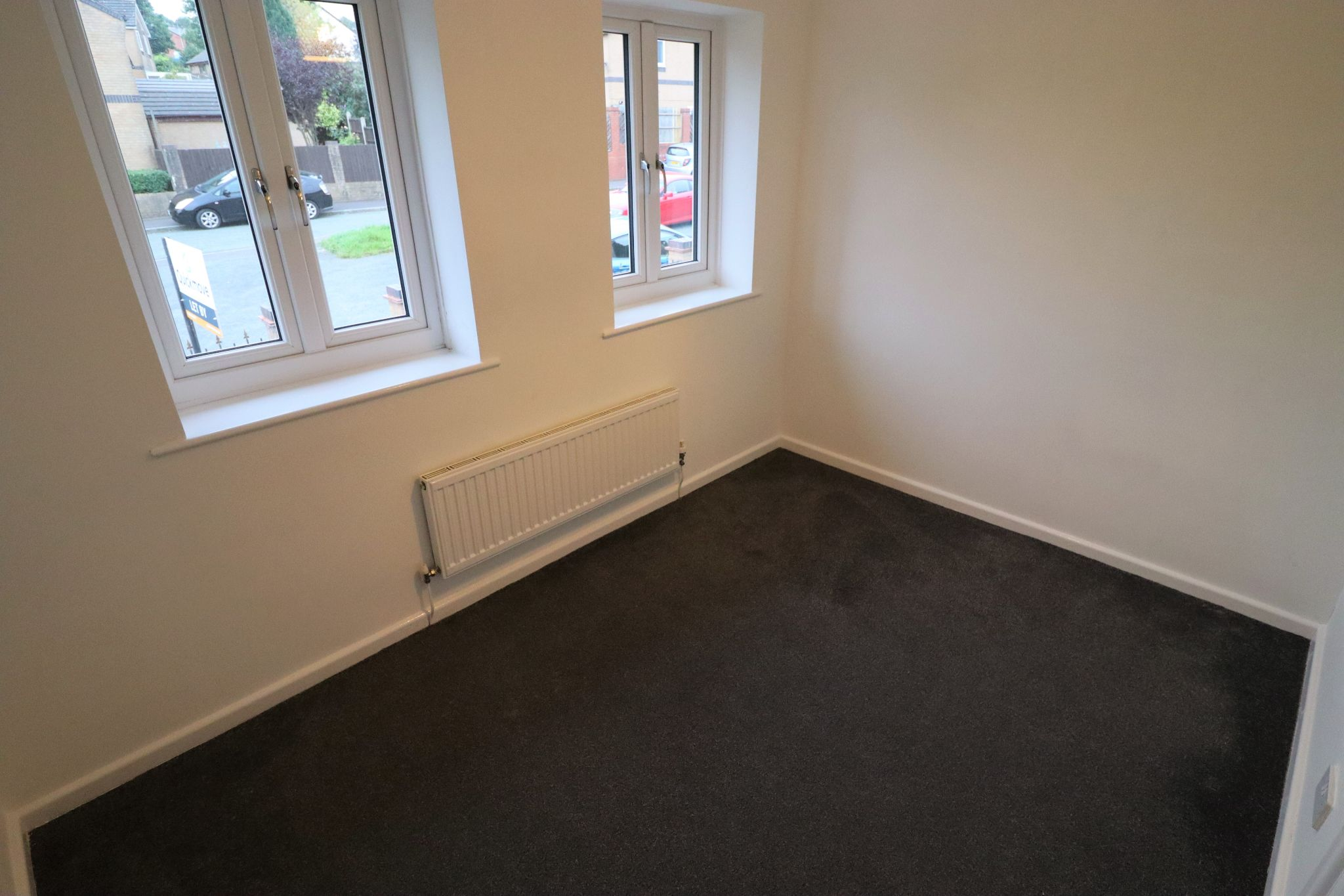 2 Bedroom Mid Terraced House To Rent - Photograph 13