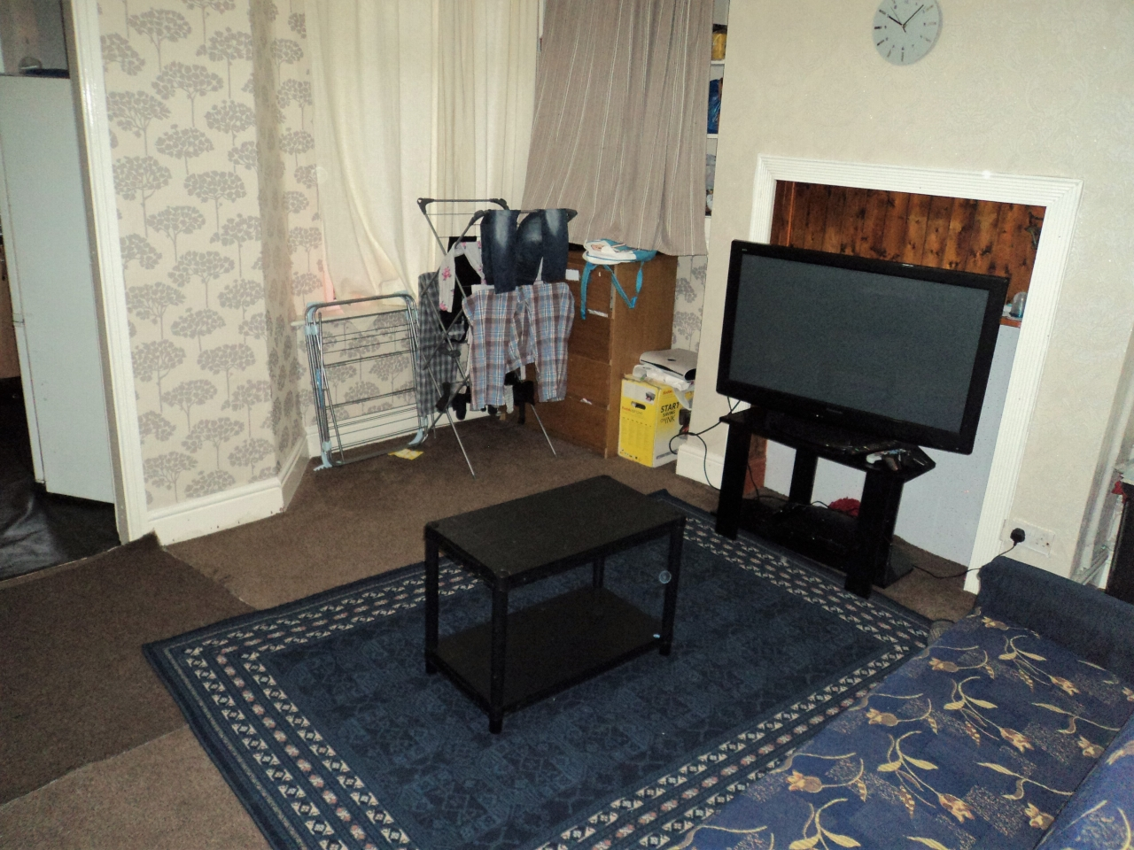 3 Bedroom Mid Terraced House For Sale - Image 4