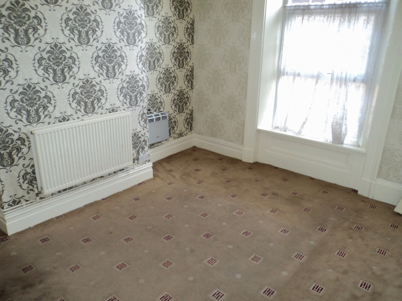 5 Bedroom End Terraced House For Sale - Photograph 6