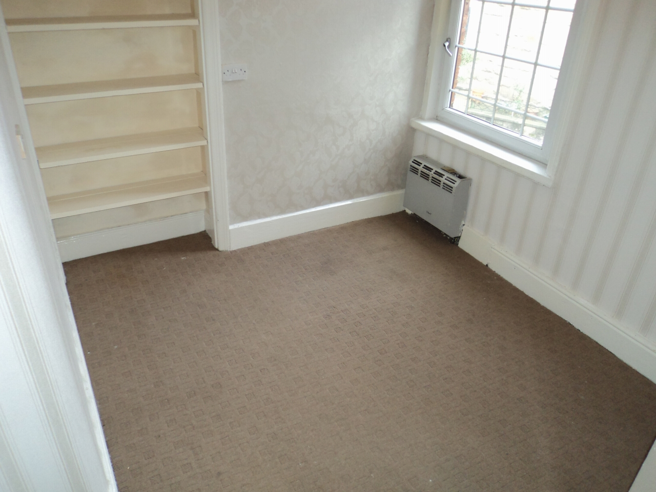 5 Bedroom End Terraced House For Sale - Photograph 12