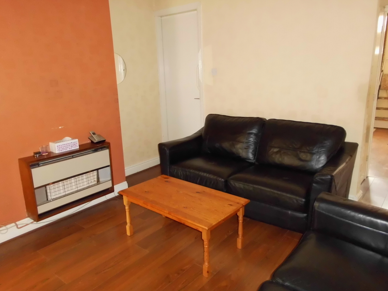 3 Bedroom Mid Terraced House For Sale 62 Moira Street Image 3