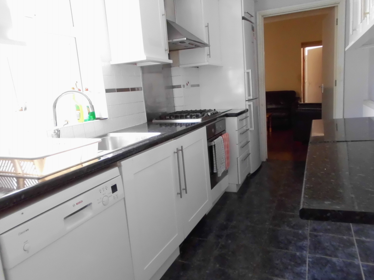 3 Bedroom Mid Terraced House For Sale 62 Moira Street Image 6