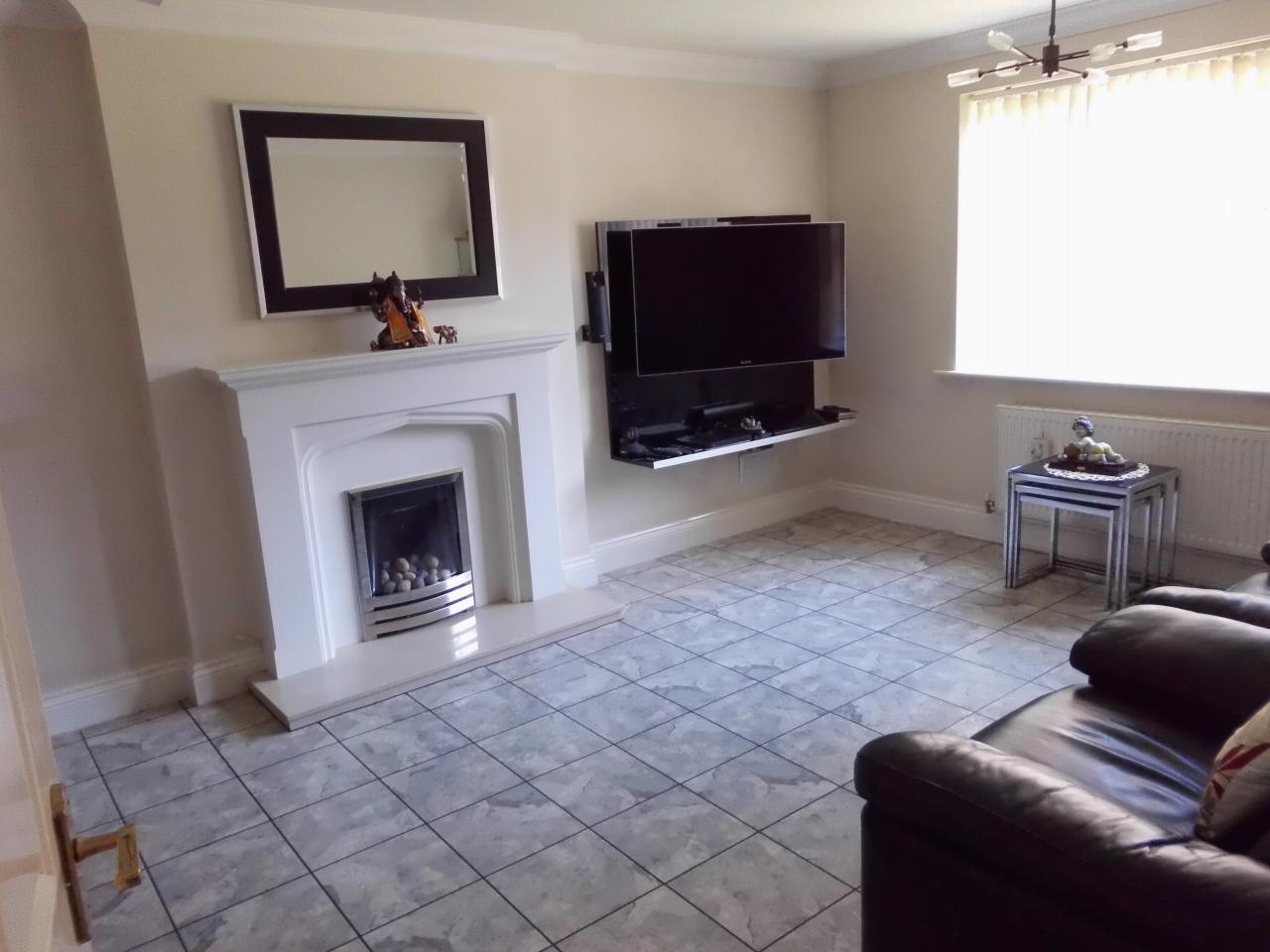 5 Bedroom Detached House For Sale 4 Cransley Close Image 2