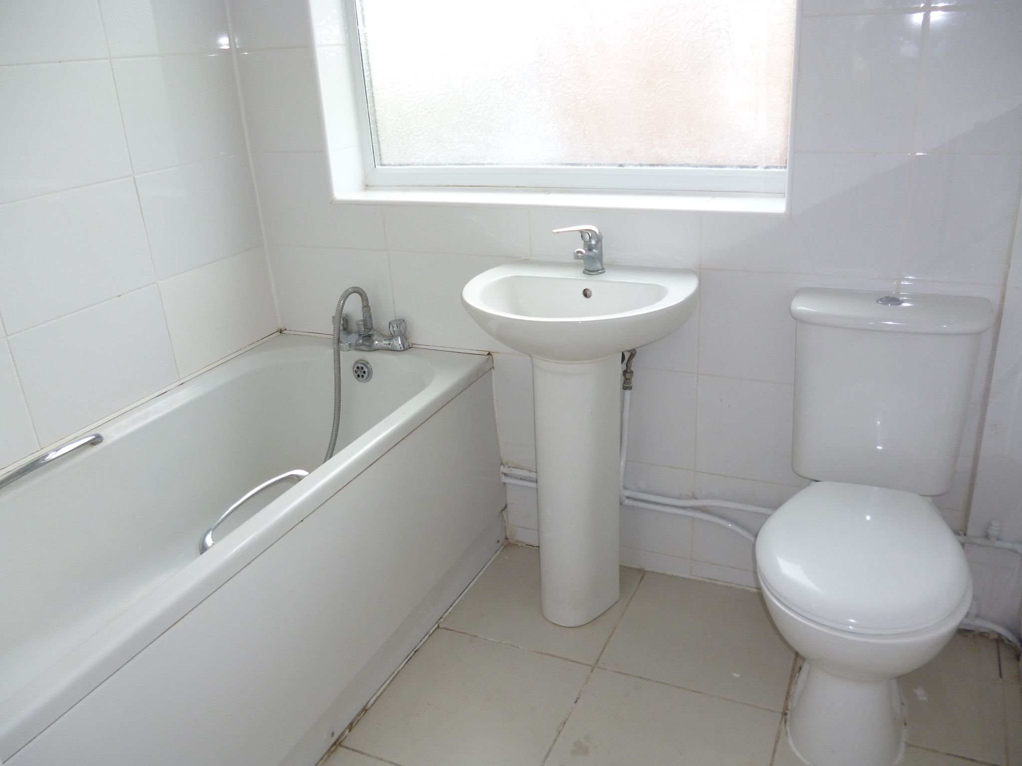 3 Bedroom Semi-detached House To Let 176 Canon Street Image 11