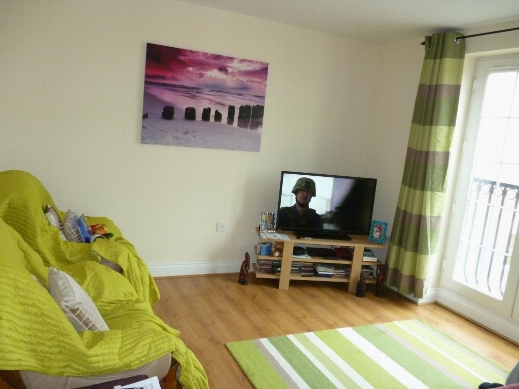 2 bedroom apartment flat/apartment SSTC in Leicester - Photograph 2.
