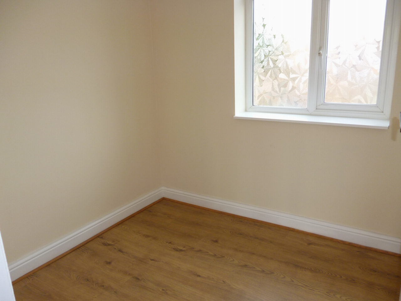 3 bedroom mid terraced house To Let in Leicester - Photograph 9.