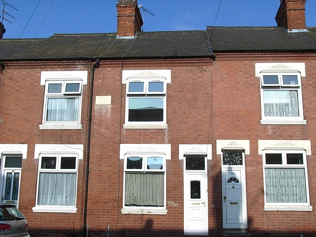 3 bedroom mid terraced house SSTC in Leicester - Front View.