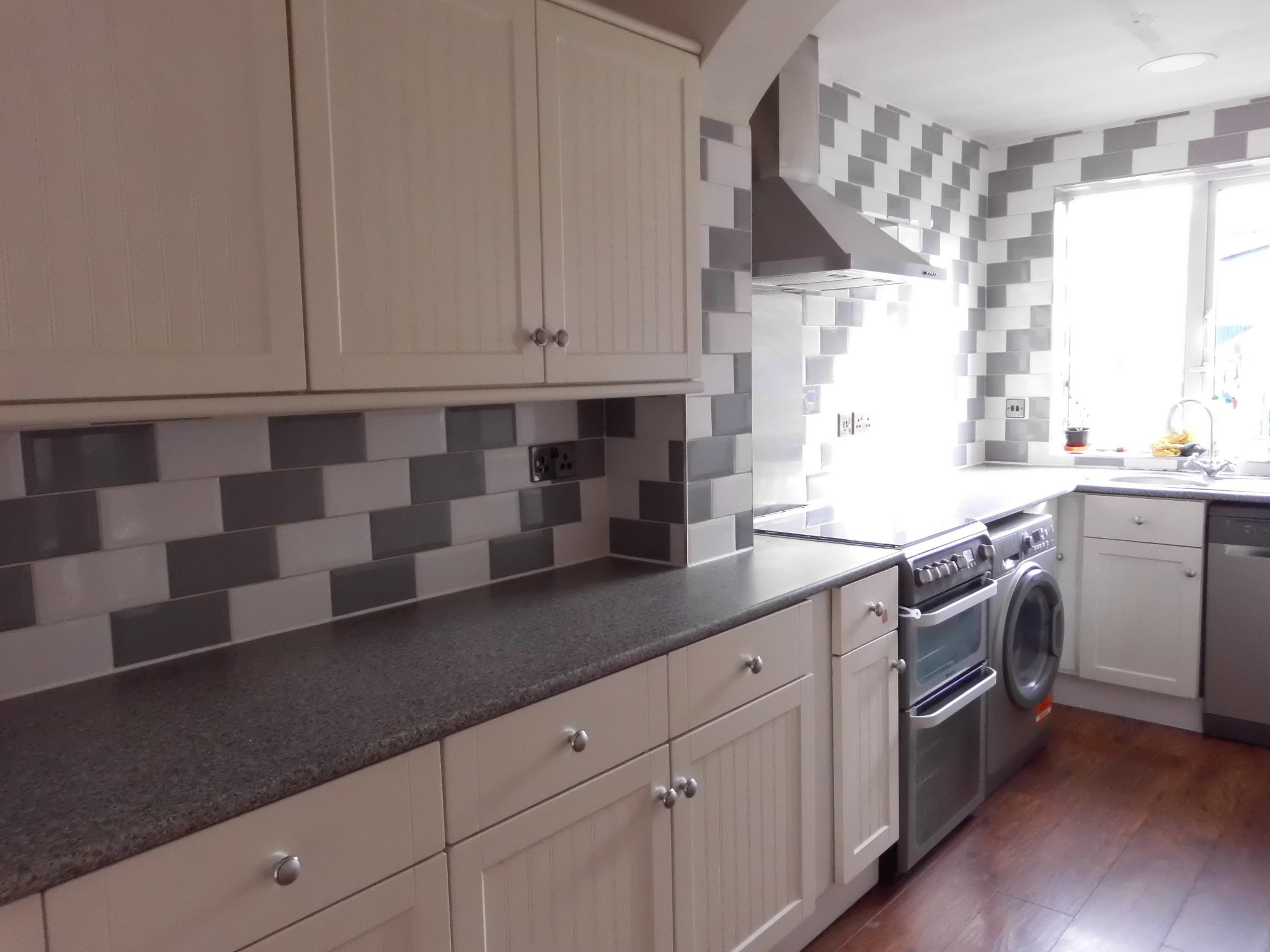 2 Bedroom Mid Terraced House Let 27 Rotherby Avenue Image 4