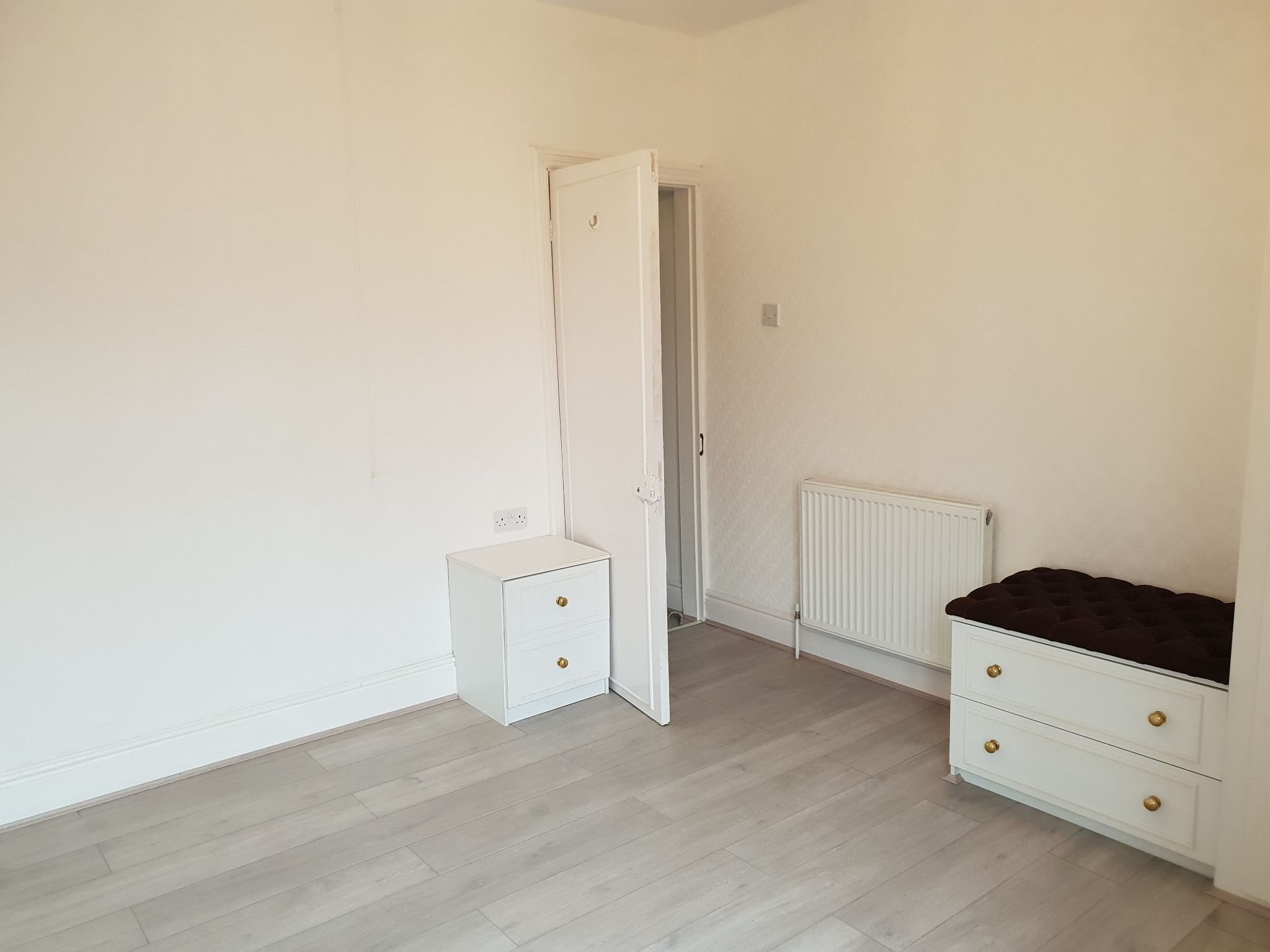3 bedroom mid terraced house To Let in Leicester - Photograph 13.