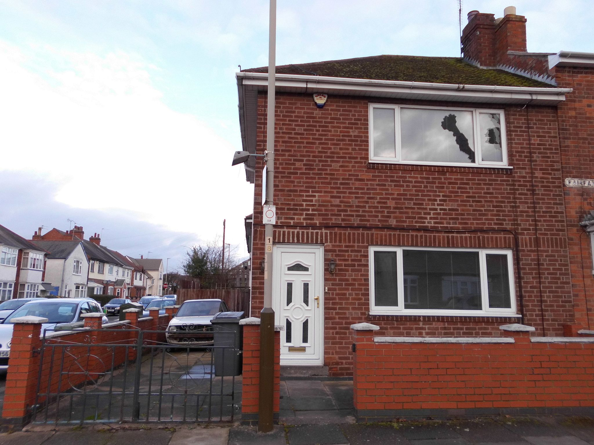 3 bedroom semi-detached house To Let in Leicester - Photograph 1.