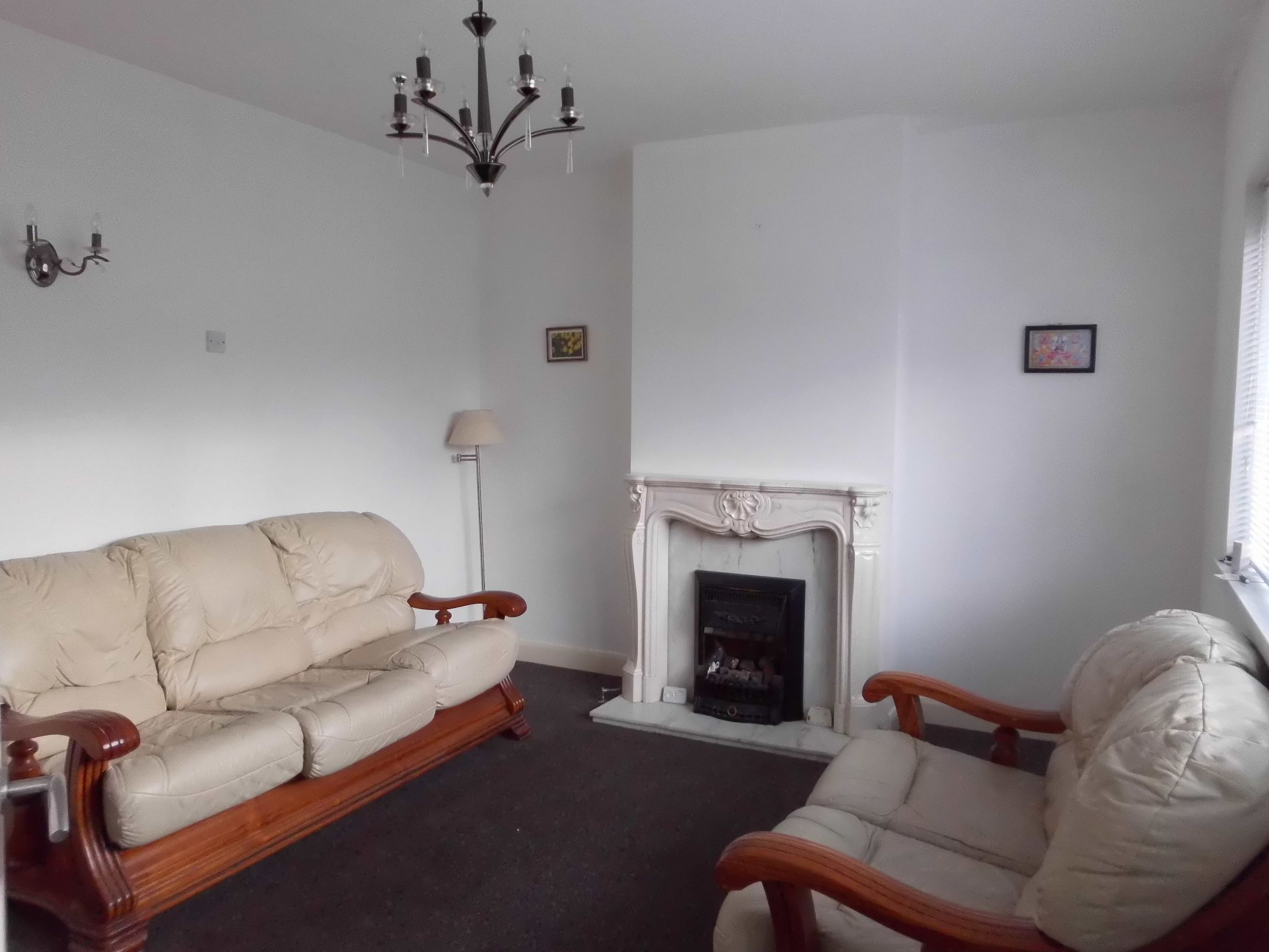 3 bedroom semi-detached house To Let in Leicester - Photograph 2.