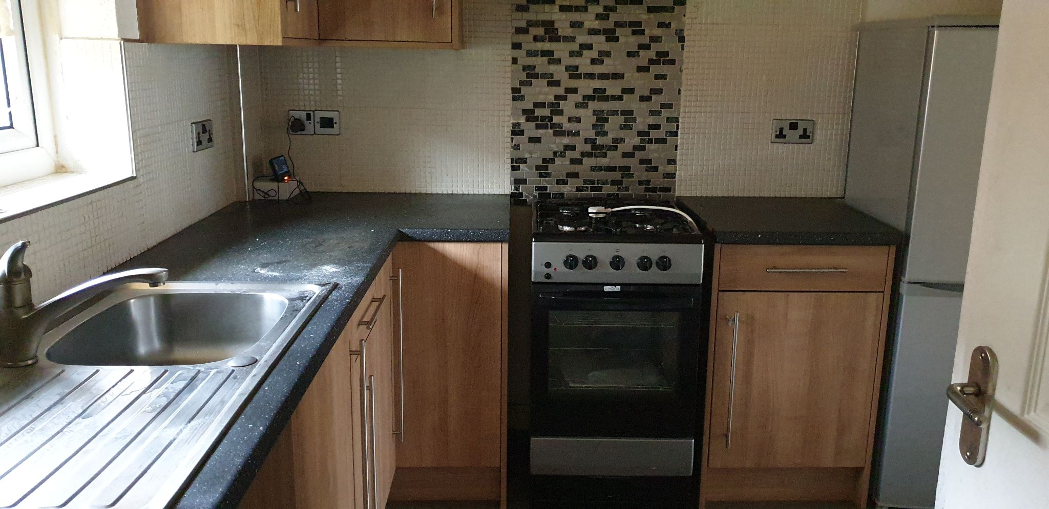 2 Bedroom Town House To Let 57 Balderstone Close Image 3