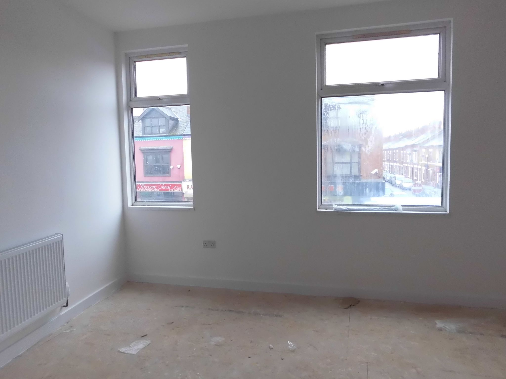 1 bedroom flat flat/apartment To Let in Leicester - Photograph 2.