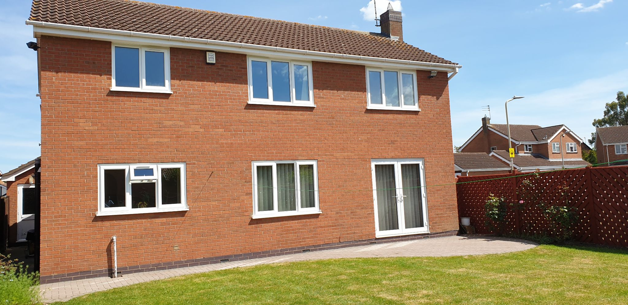4 bedroom detached house For Sale in Leicester - Photograph 12.