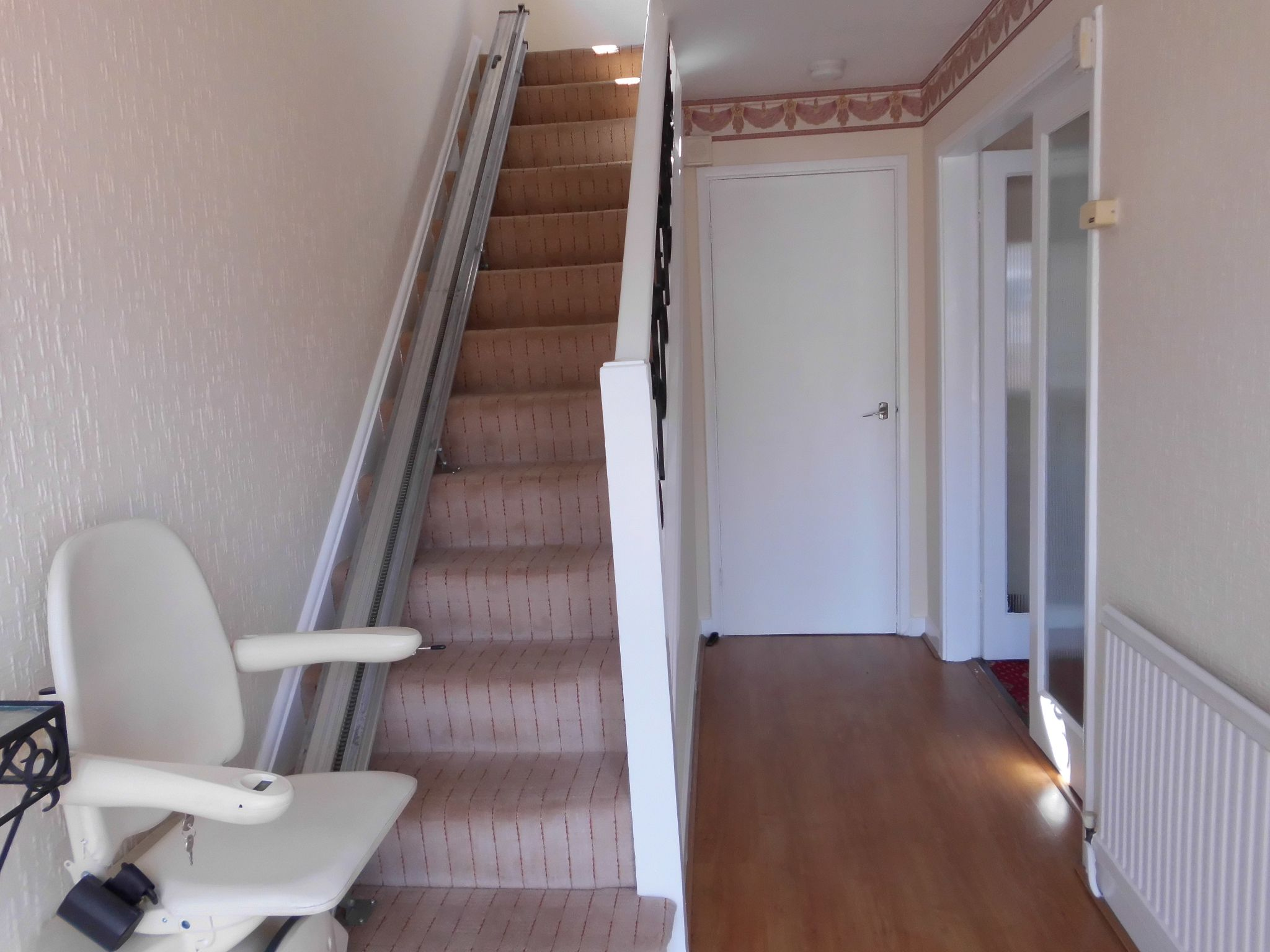 4 bedroom detached house To Let in Leicester - Property photograph.