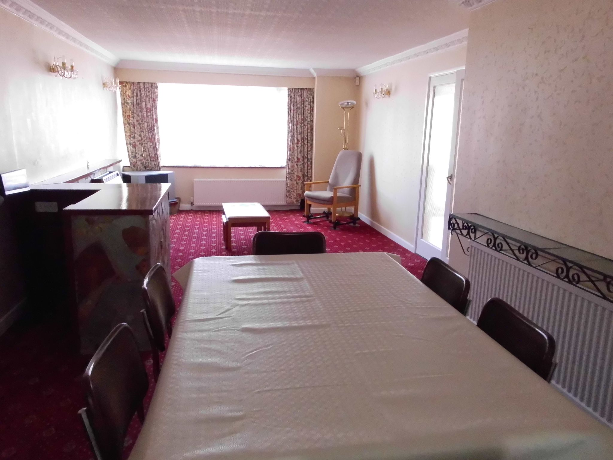 4 bedroom detached house To Let in Leicester - Photograph 7.