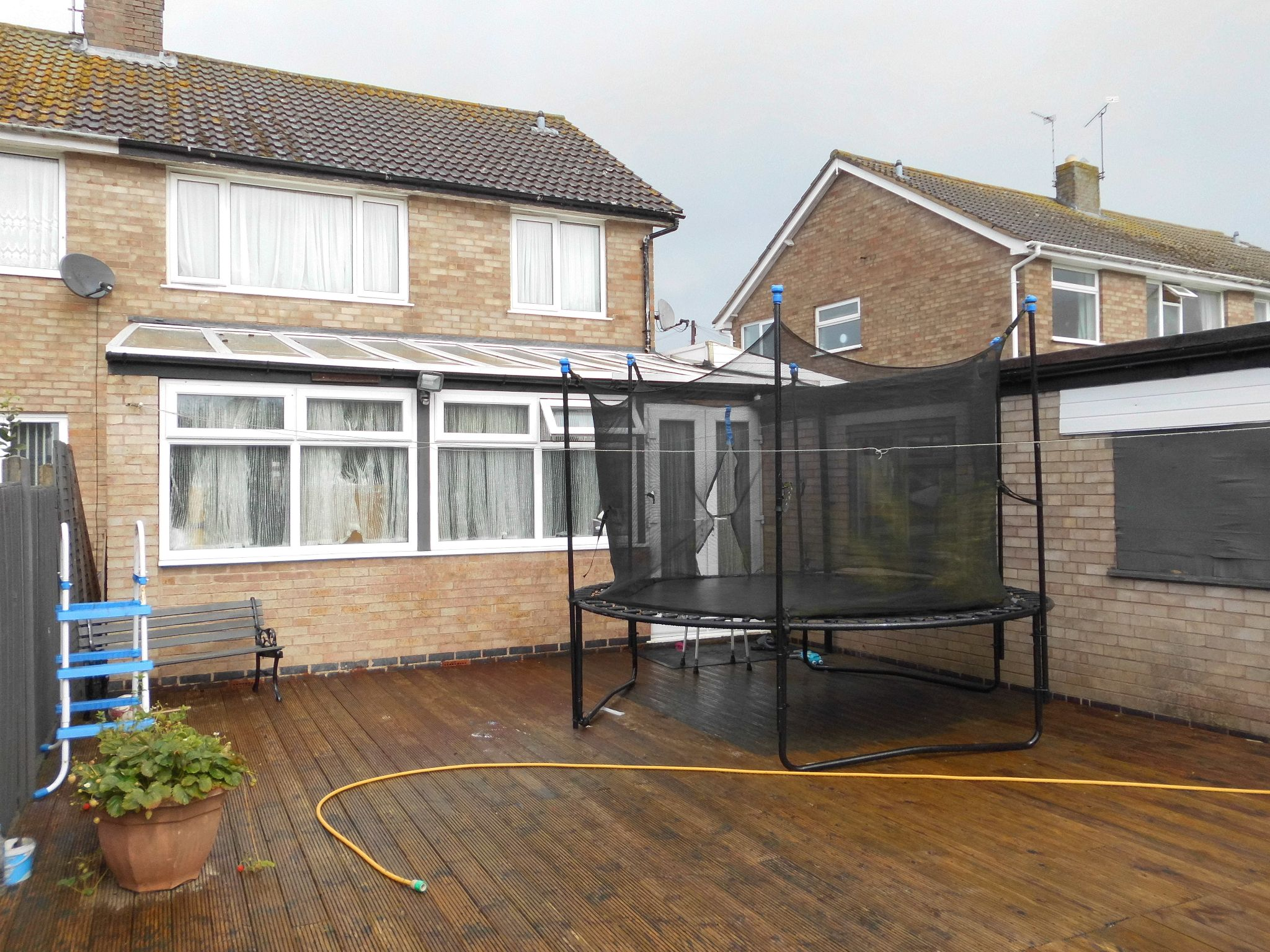 3 bedroom semi-detached house For Sale in Oadby And Wigston - Photograph 13.