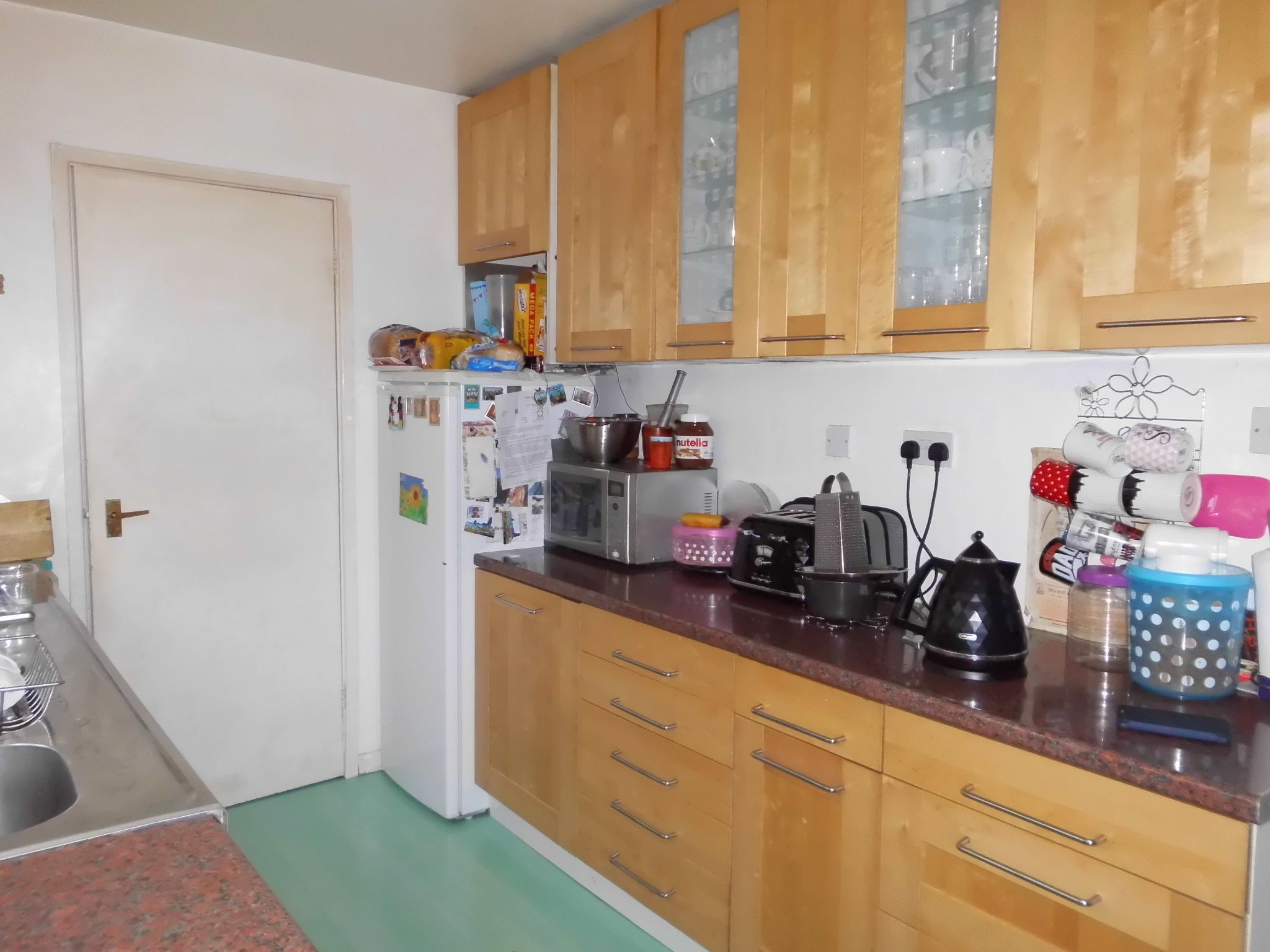 3 bedroom semi-detached house For Sale in Oadby And Wigston - Photograph 6.
