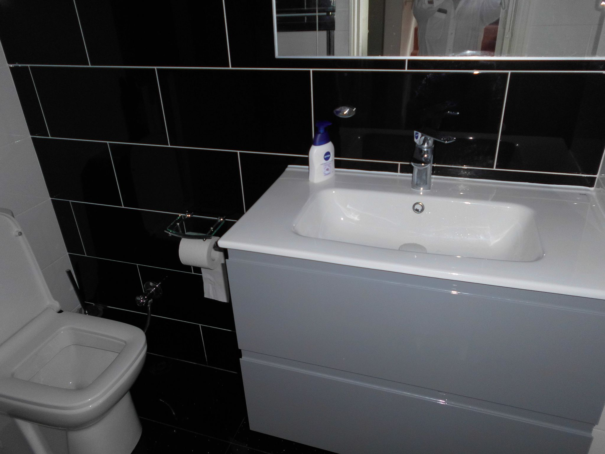 3 bedroom semi-detached house For Sale in Oadby And Wigston - Photograph 7.