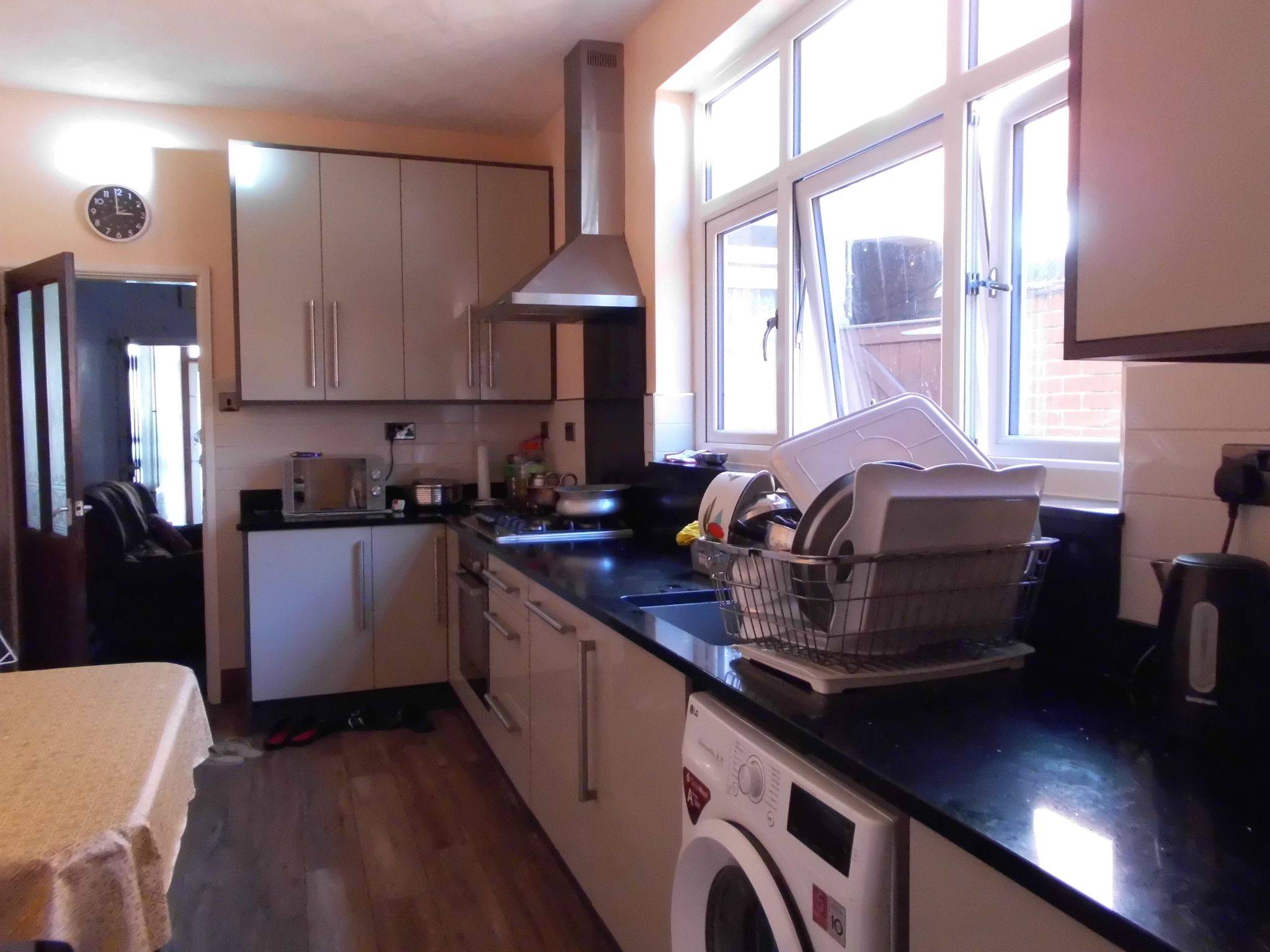 4 bedroom mid terraced house For Sale in Leicester - Photograph 6.