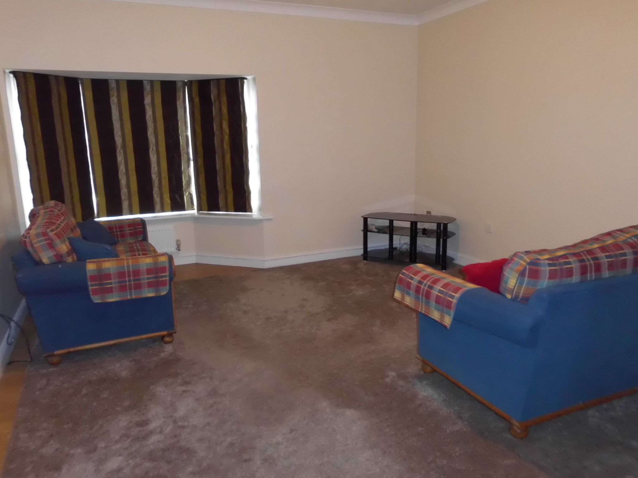 2 bedroom town house For Sale in Leicester - Photograph 5.
