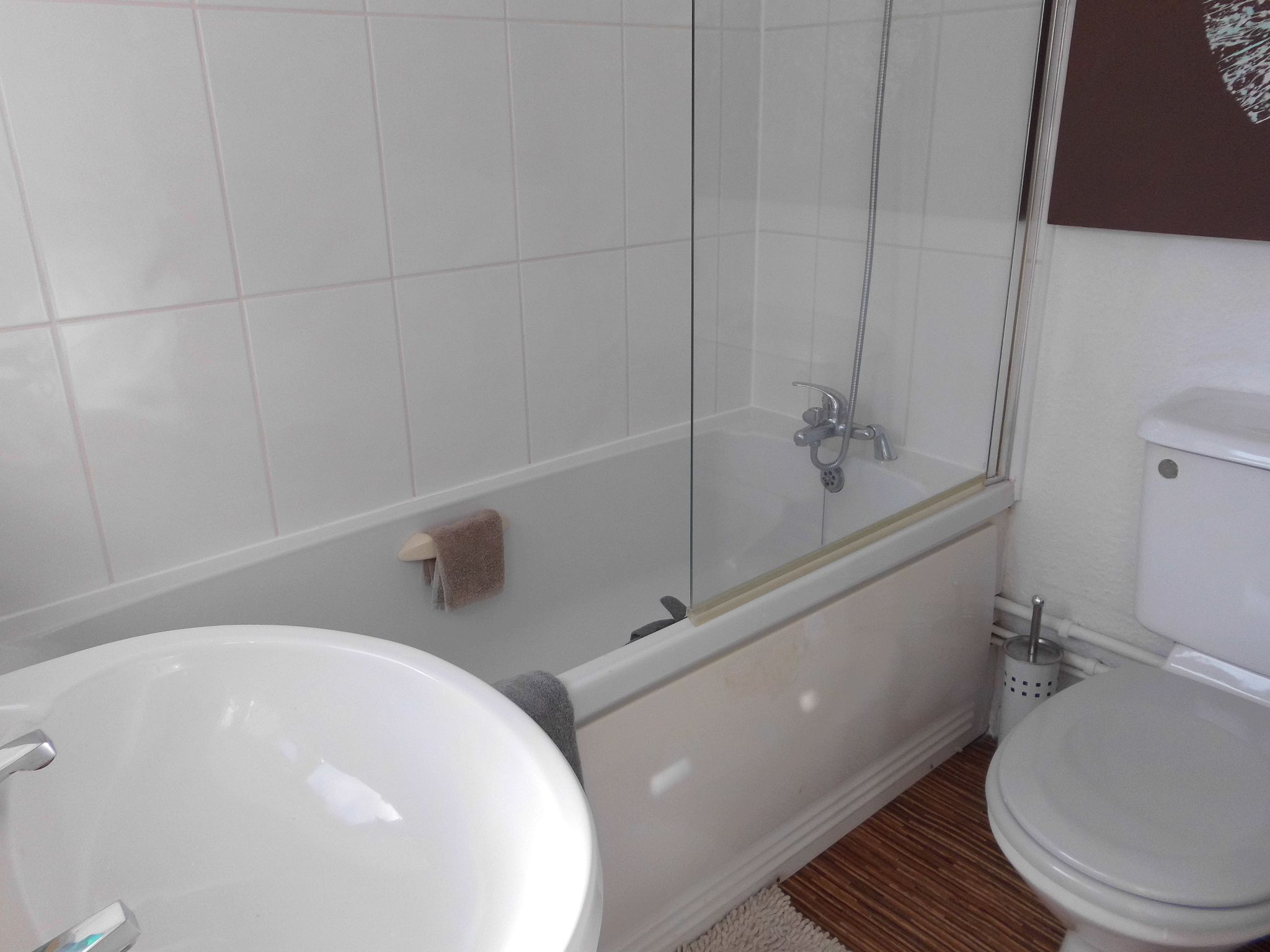 3 bedroom town house SSTC in Leicester - Photograph 6.